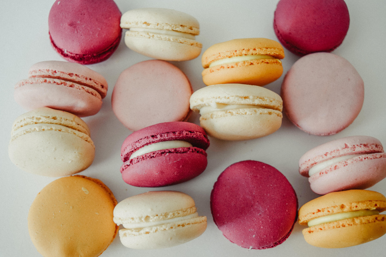 wallpaper : macaroons, almond biscuits, dessert 6000x4000 - goodfon