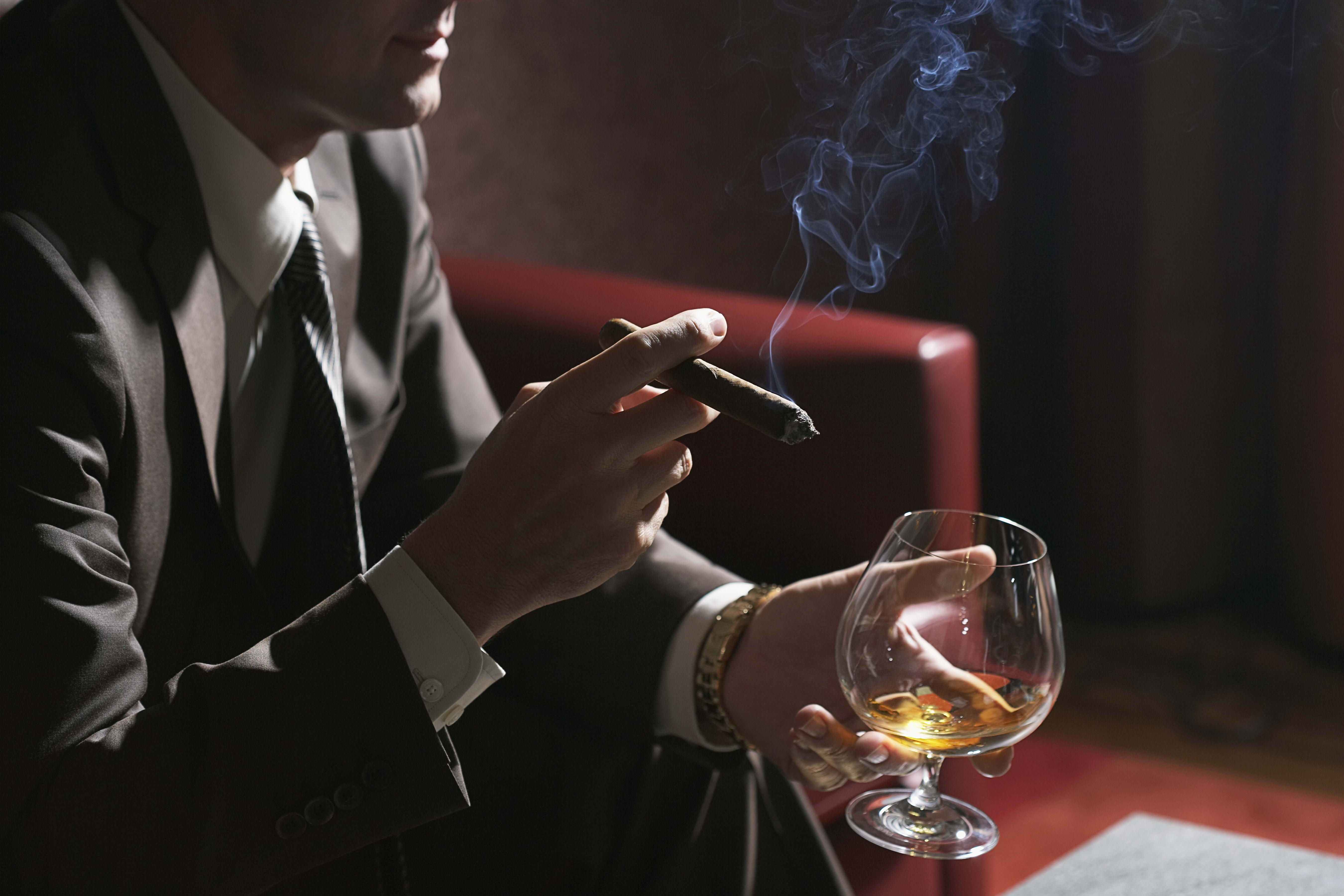 Wallpaper Man Businessman Arms Cigar Whiskey Glass Smoke