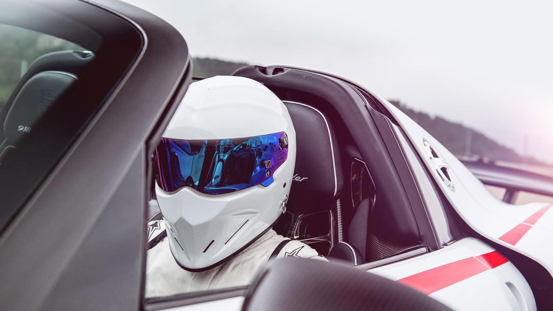 men-car-reflection-vehicle-helmet-Porsche-sports-car-driving-Porsche-918-Spyder-Top-Gear-The-Stig-supercar-land-vehicle-automotive-design-automobile-make-concept-car-157845 Interesting Hinh Anh Xe Porsche 918 Spyder Cars Trend