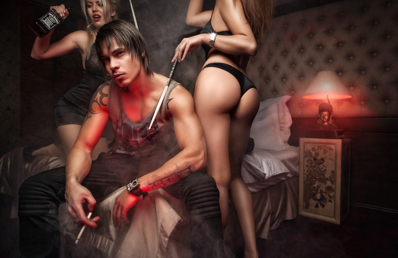 Развратные мужчины и женщины фото и видео, порно на массаже сперма внутри