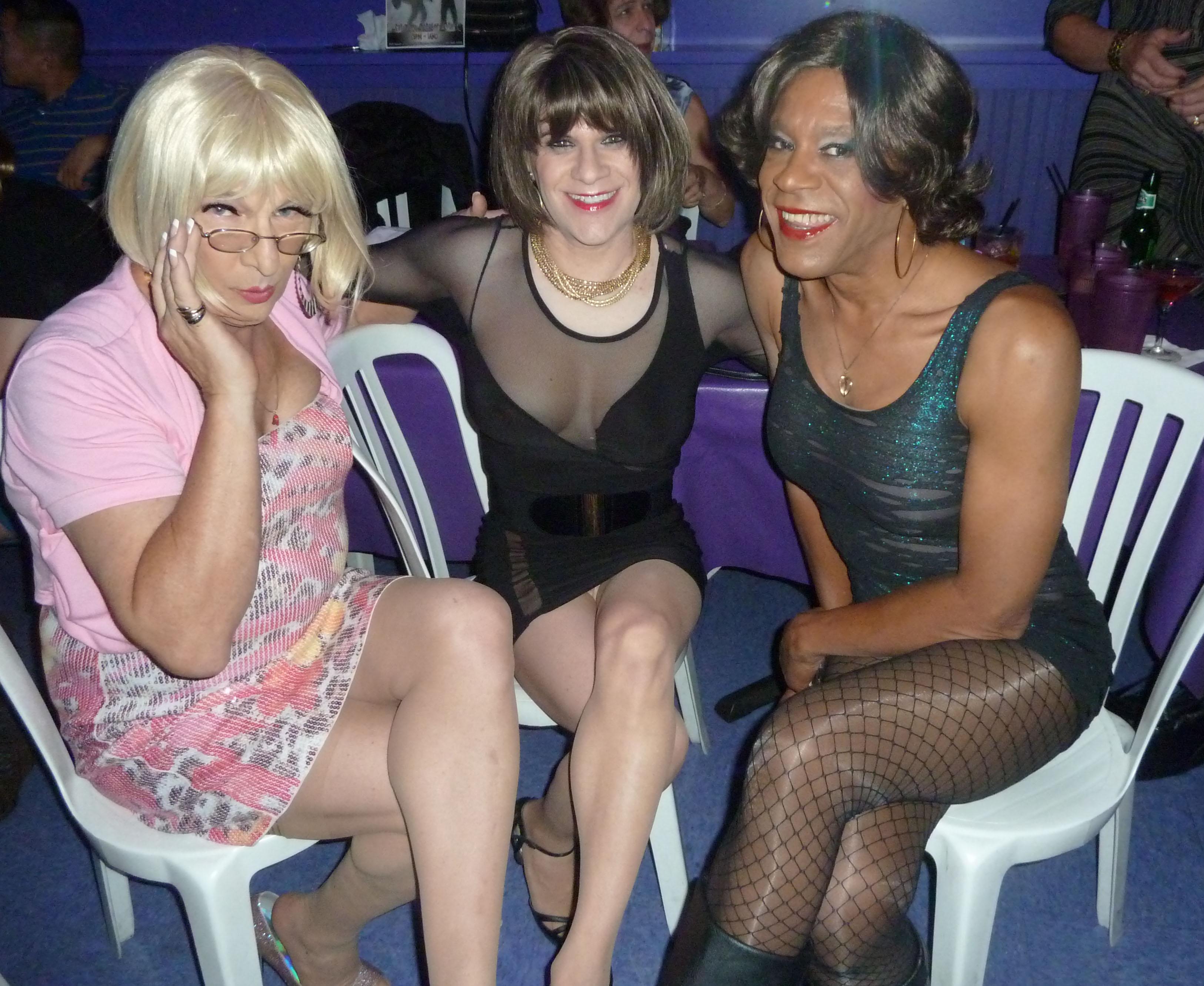 Pantyhose Club wallpaper : minidress, pantyhose, friendship, pumps