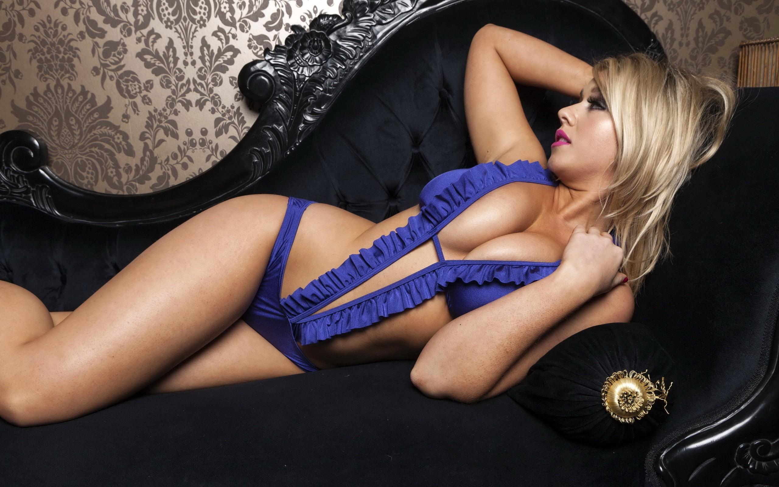 porno-chernie-bolshie-v-blondinok