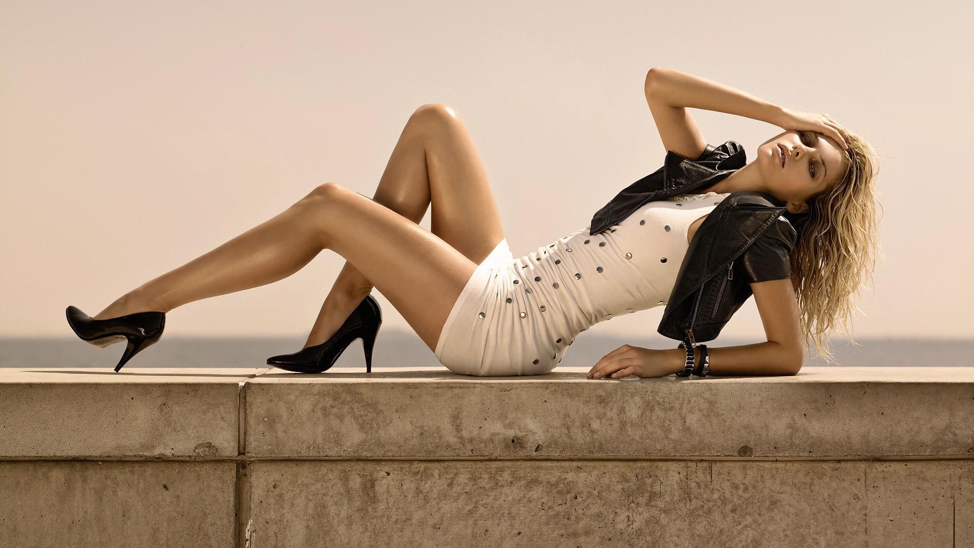 Wallpaper : model, long hair, sitting, high heels, blue