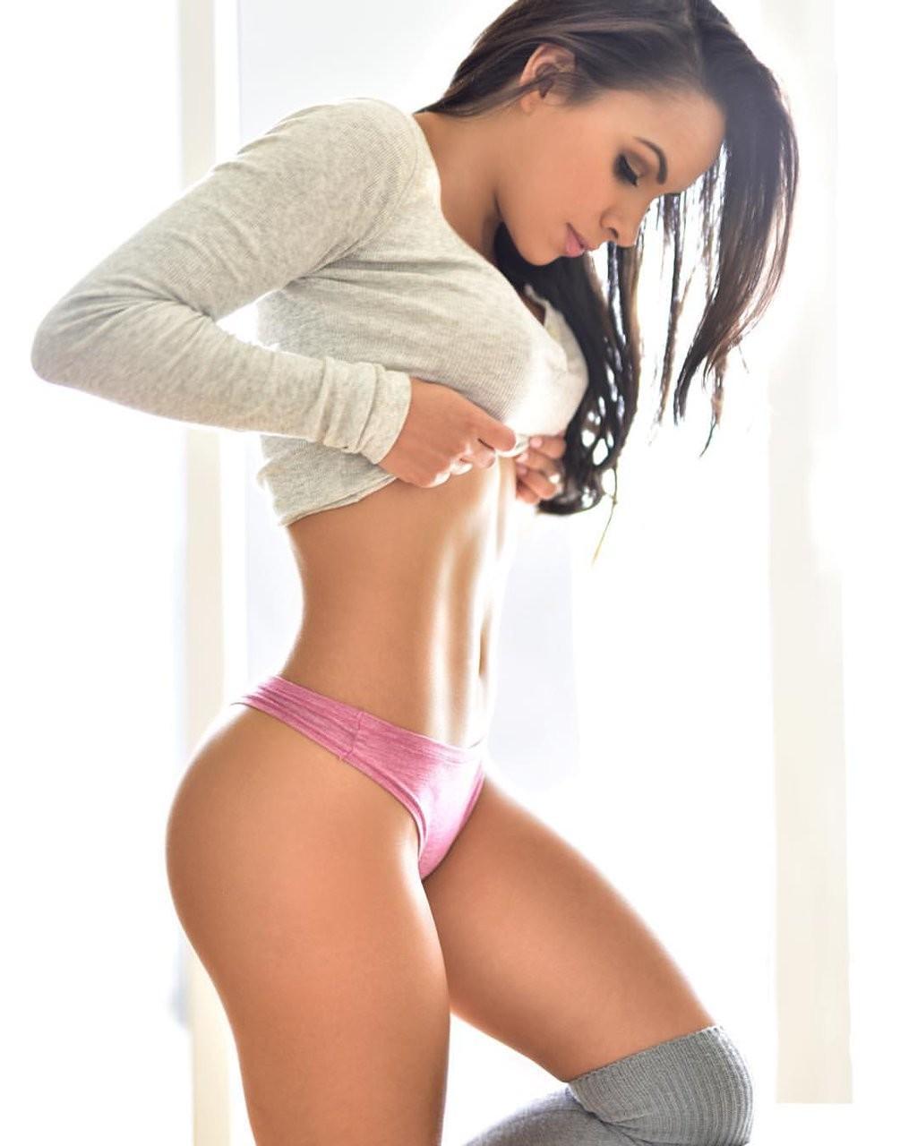 Sexy latina high arch suck — 11