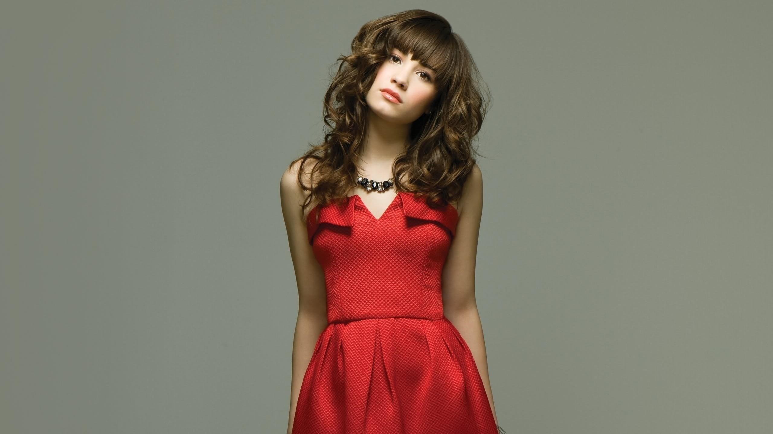 Hintergrundbilder : Modell-, Brünette, rot, Berühmtheit, Demi Lovato ...