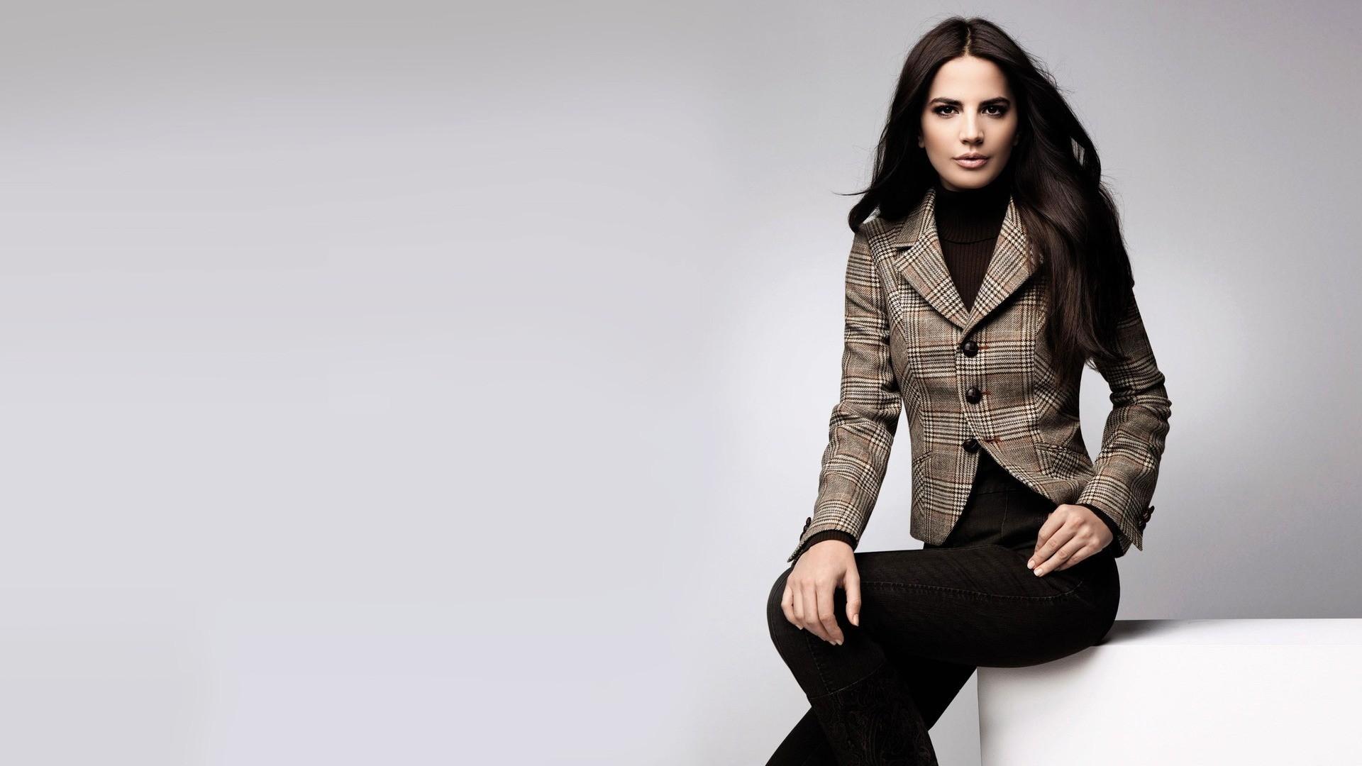 purchase cheap 081ee c3e35 Sfondi : modello, giacca, moda, pelliccia, pelle, primavera ...