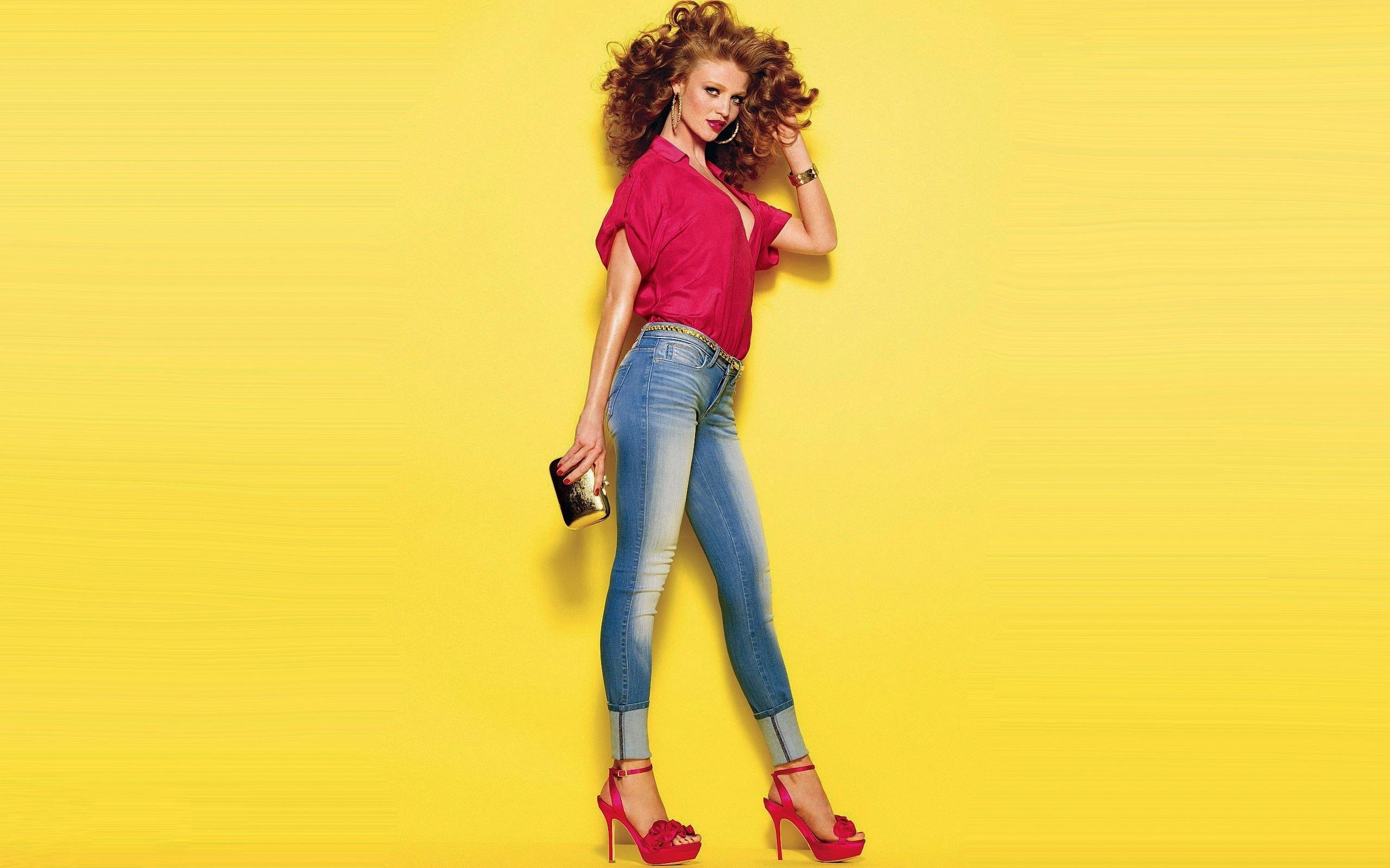 Wallpaper model jeans style show 2560x1600 wallup - Is wallpaper in style ...