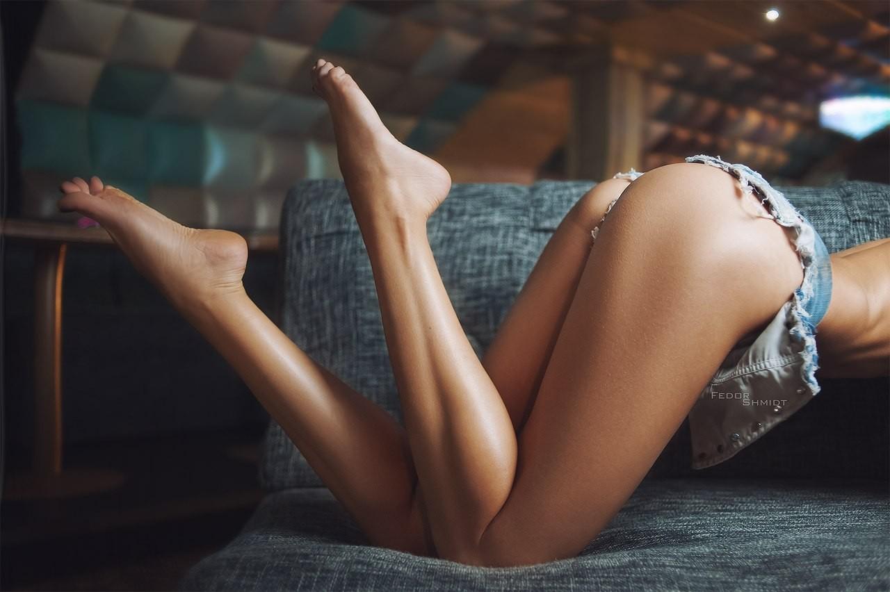 стройные девичьи ножки фото ударяются религию напрочь