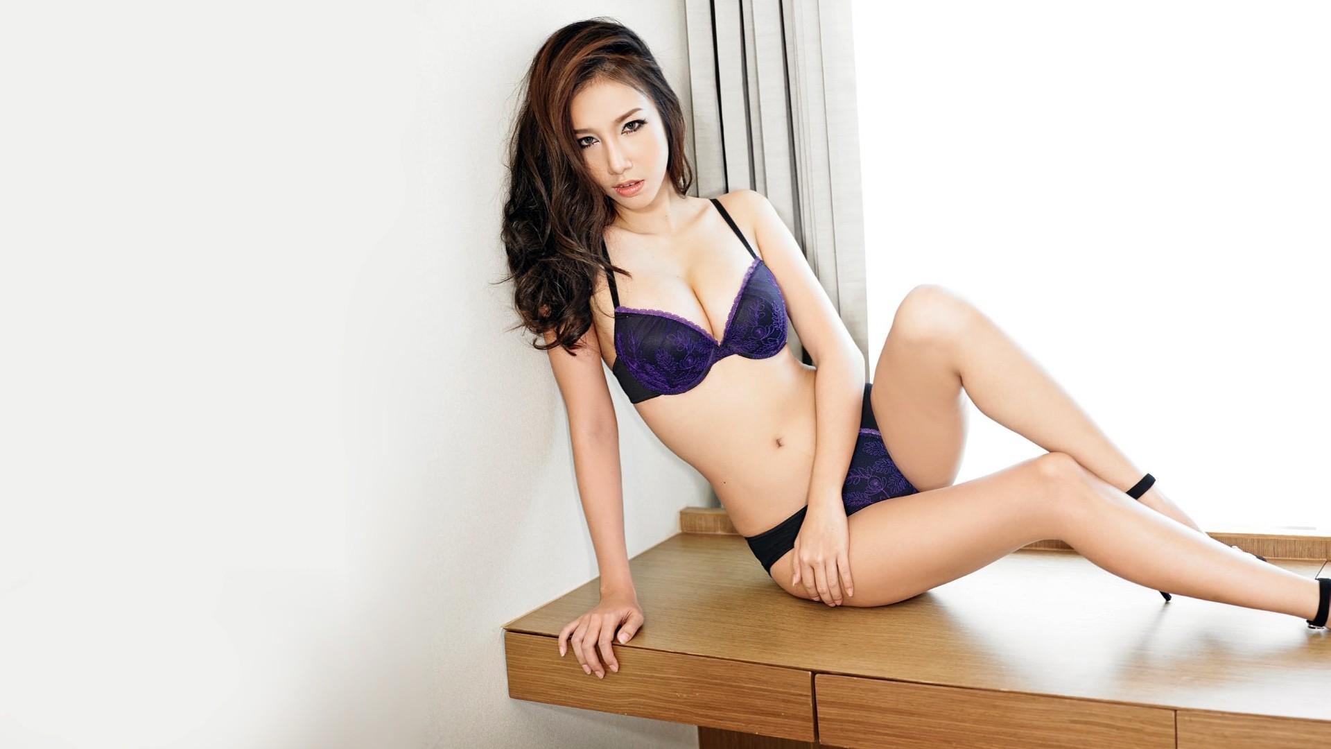 Обои азиатки в нижнем белье, оргазм жены многоступенчатый