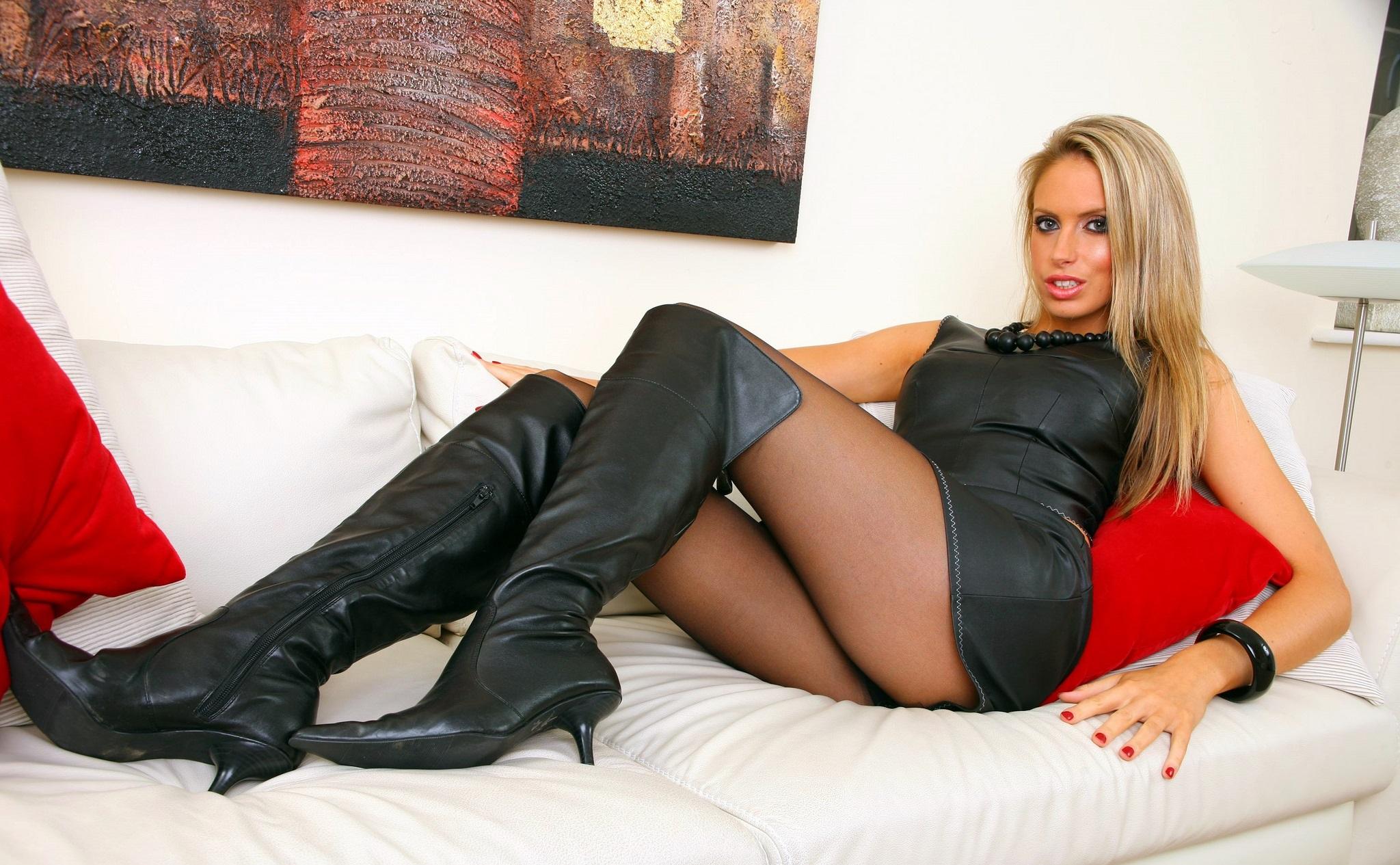 wallpaper : model, long hair, legs, celebrity, dress, black hair