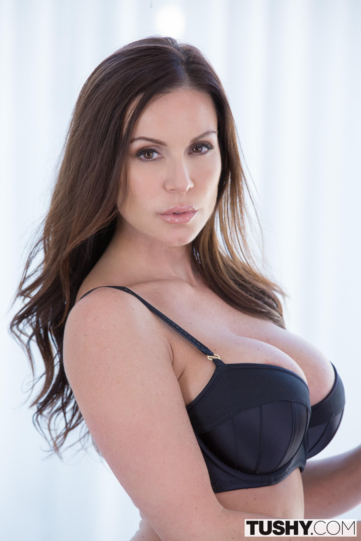 Sexy curvy secretary fucks her hung latino boss 4
