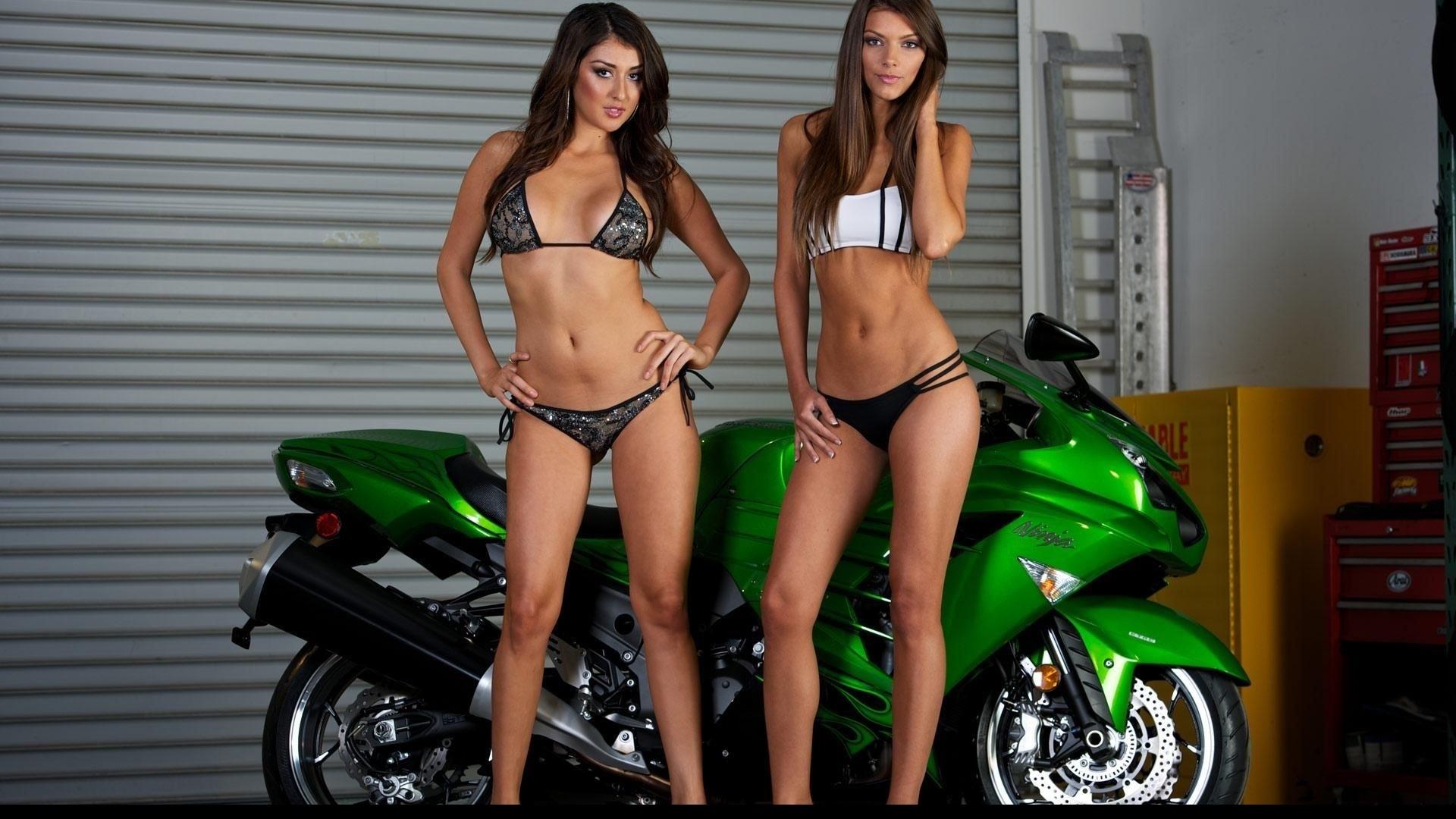 Naked Girl Street Bike