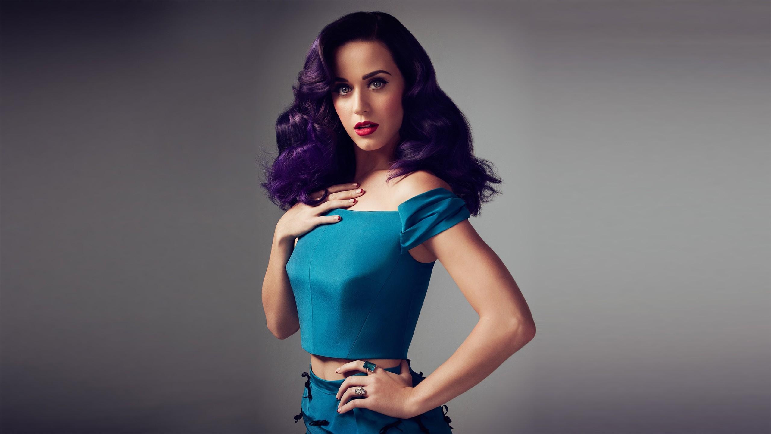 Katy Perry International Smile Listen