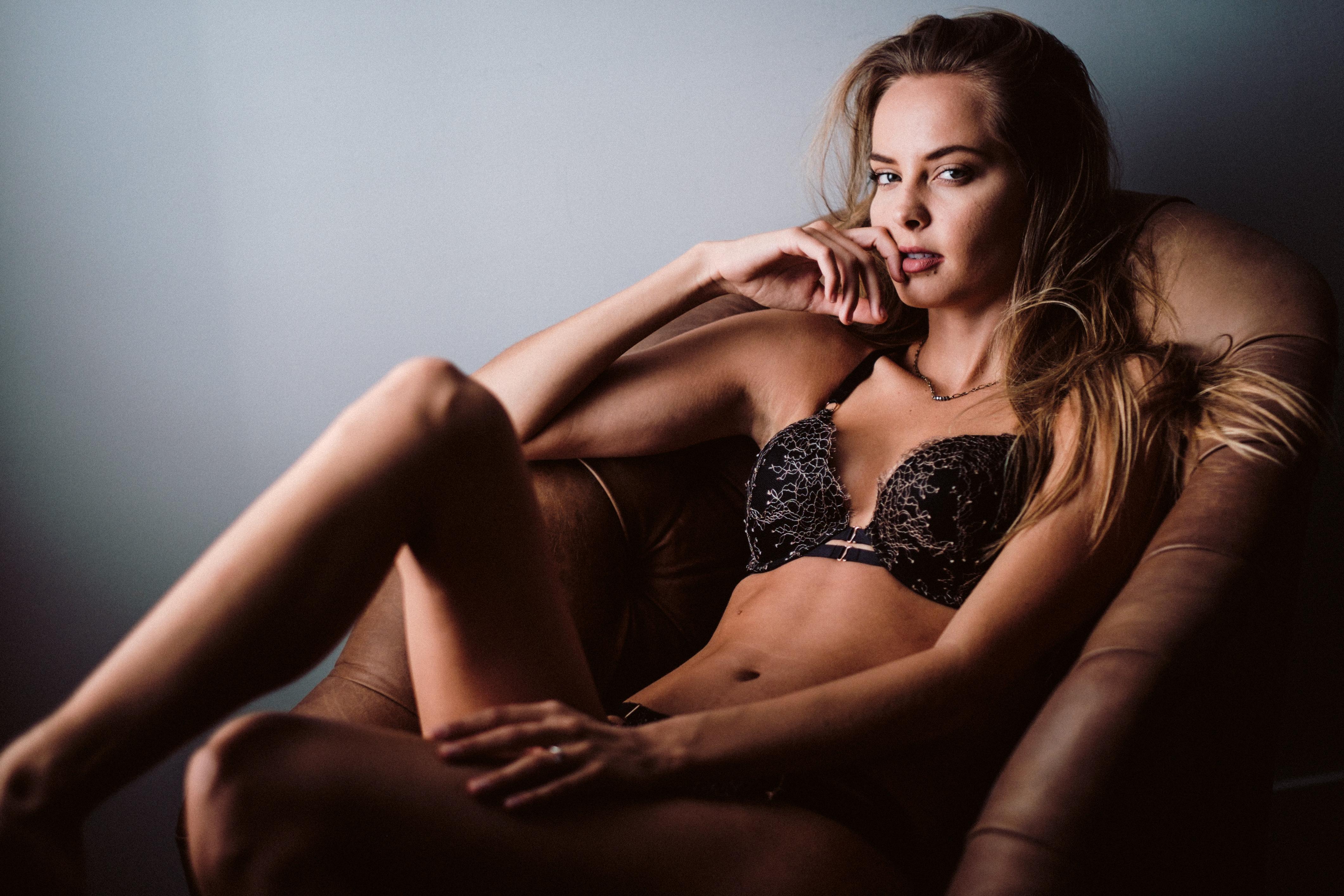 kaunis seksikäs alaston malleja