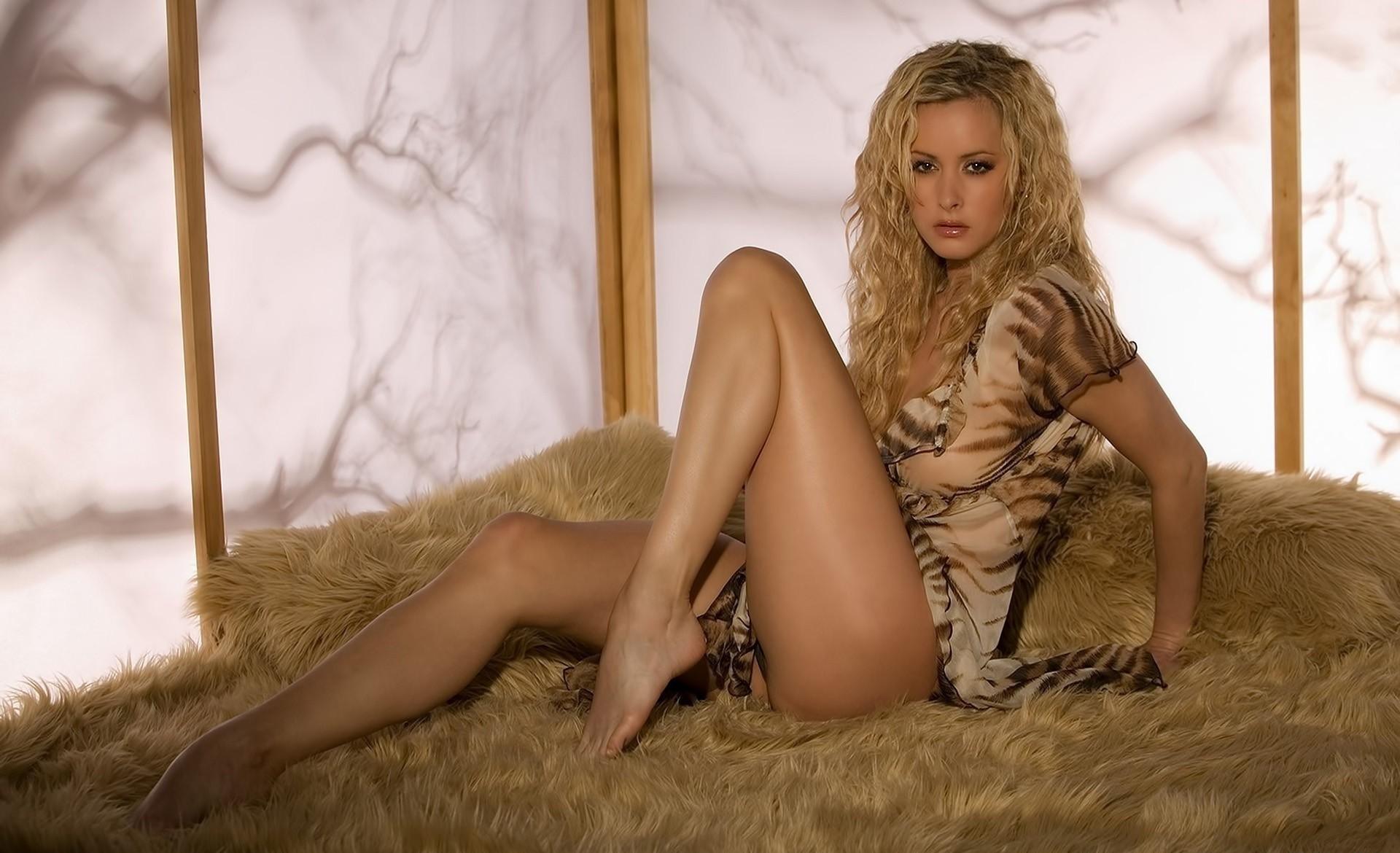 Порно кудрявых блондинок