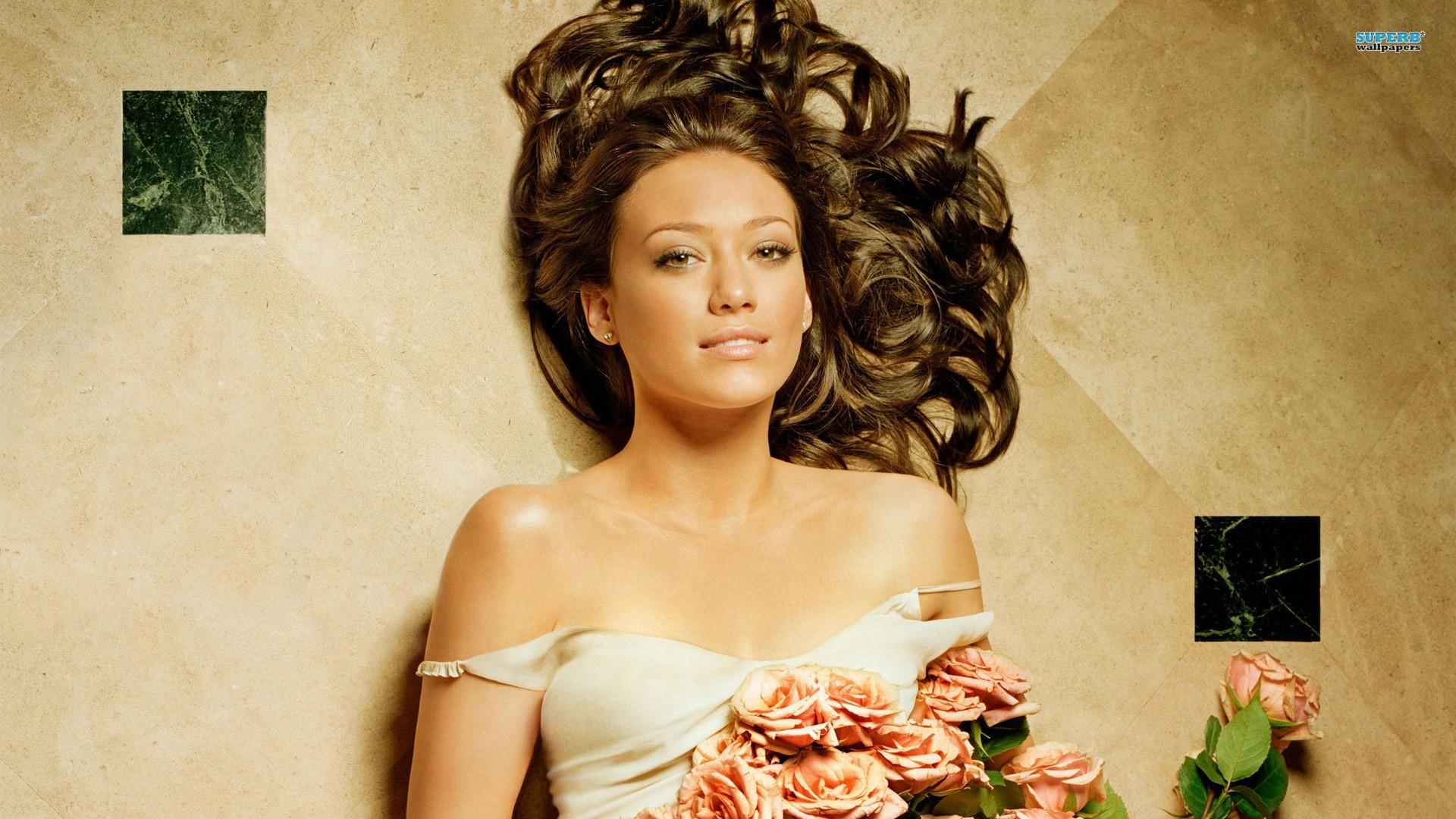 Wallpaper : model, flowers, long hair, brunette, bare shoulders ...