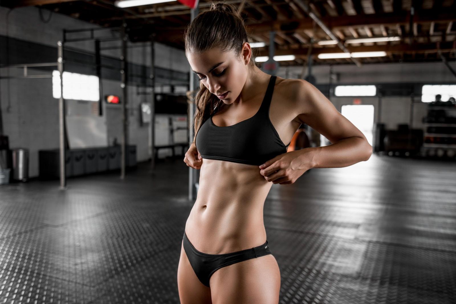 видео с фитнес телками