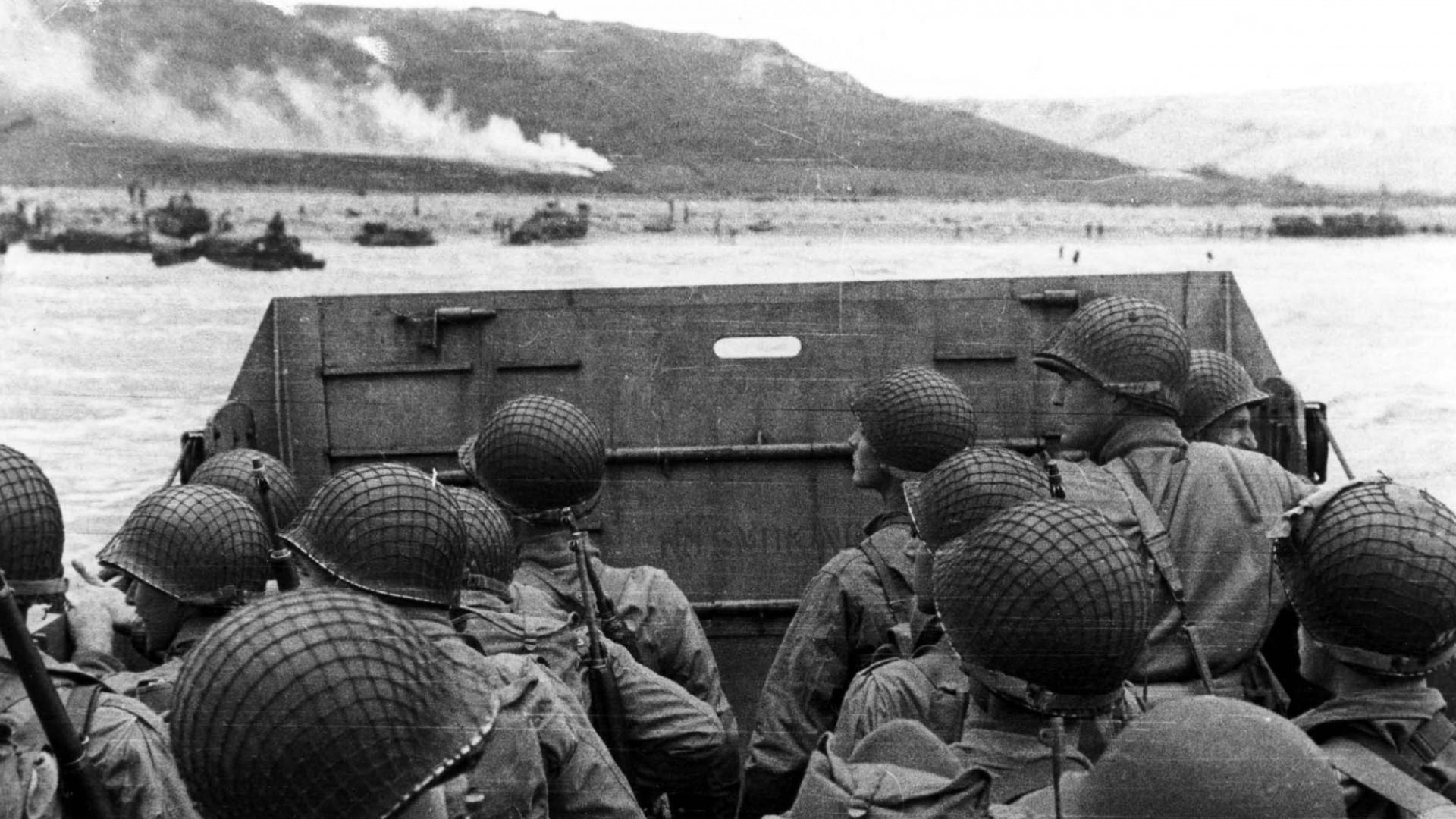 Hintergrundbilder Einfarbig Fahrzeug Krieg Soldat Militar