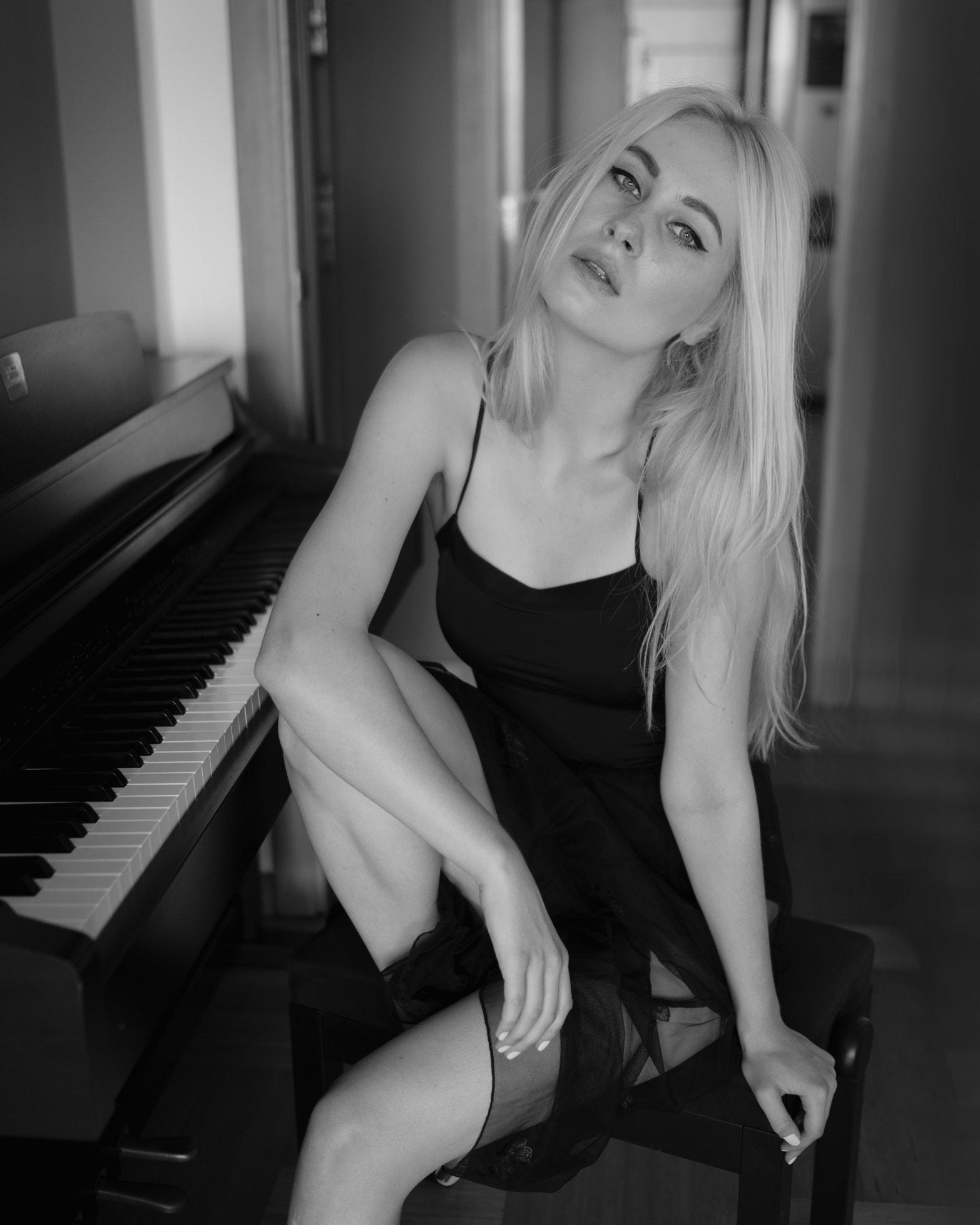 Wallpaper Monochrome Women Piano Musical Instrument Portrait 500px David Mas 1566x1958 Wallpapermaniac 1486879 Hd Wallpapers Wallhere