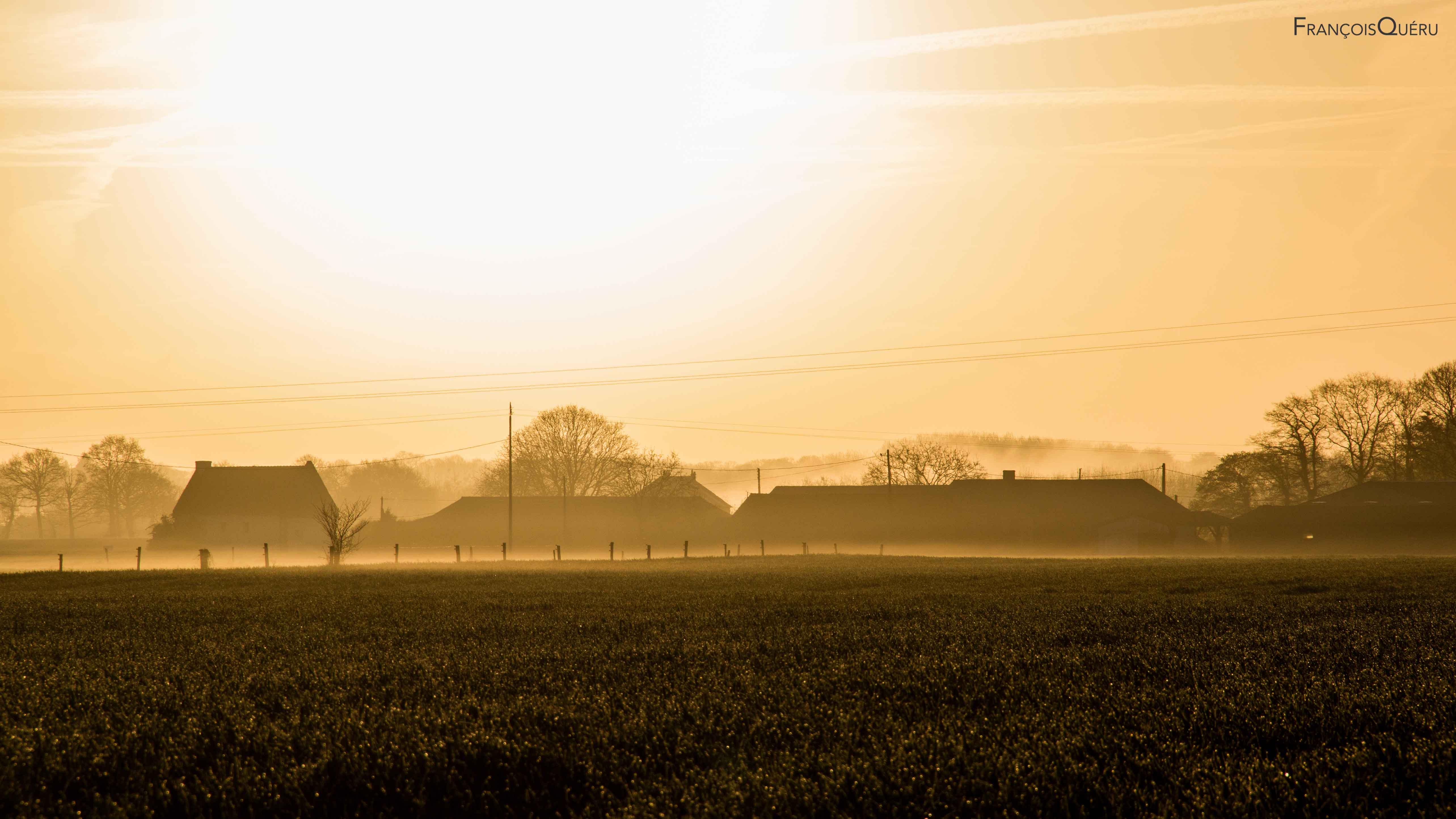 Fond d 39 cran matin lumi re soleil maison brouillard for Paysage francais