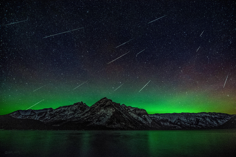 Sfondi montagne notte galassia acqua stelle aurora for Sfondi aurora boreale