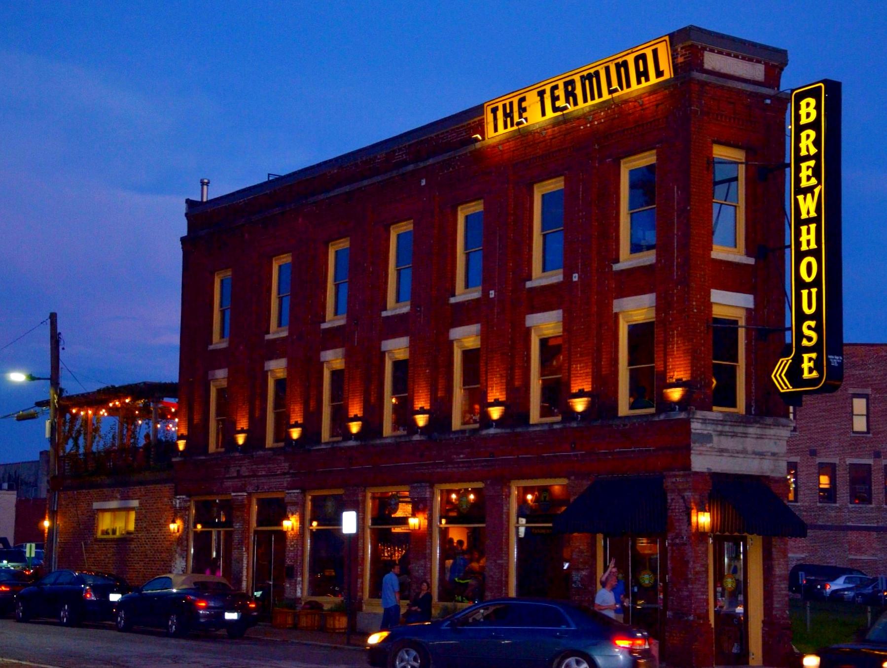 Top Wallpaper Music Food - music-food-black-Brick-sign-yellow-bar-night-fun-gold-restaurant-evening-flickr-Tennessee-patio-saturdaynight-drinks-marketstreet-nite-redbrick-chattanoogatn-outdoorcafe-nightspot-terminalbrewhouse-971616  Snapshot_151356.jpg