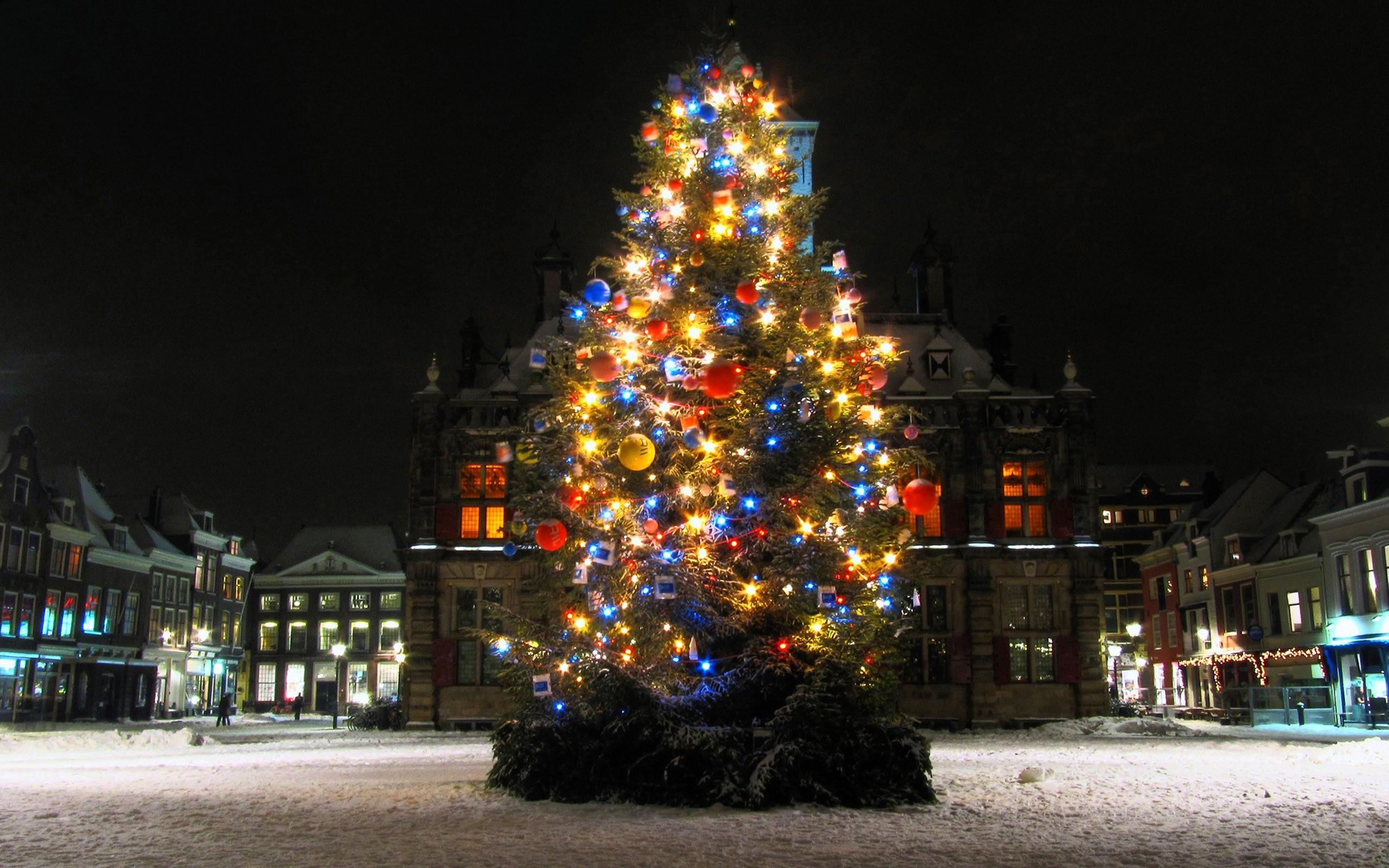 Sfondi notte albero di natale addobbi natalizi for Decorazione wallpaper