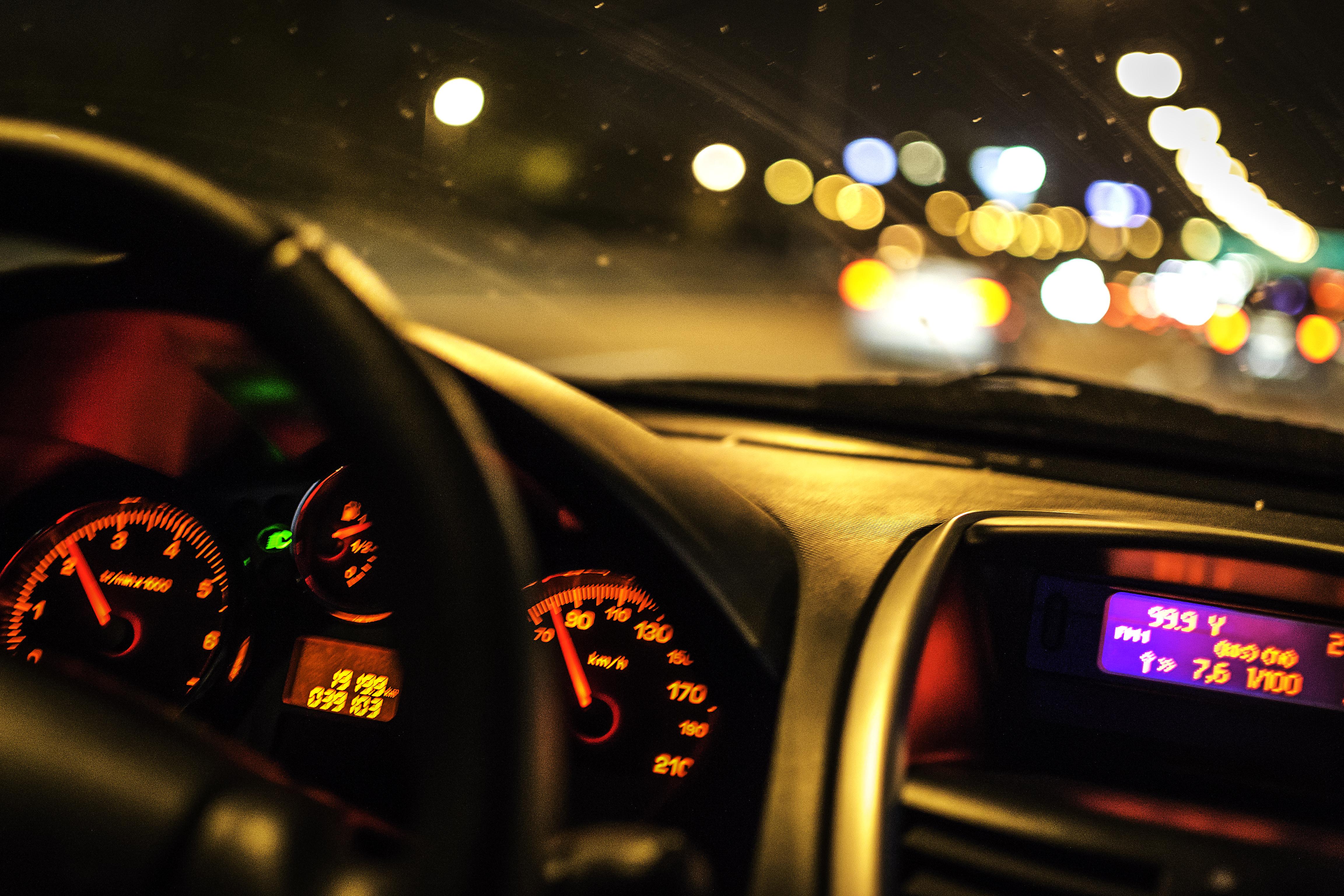 после фото панели приборов машины ночью уровне отдельных бойцов