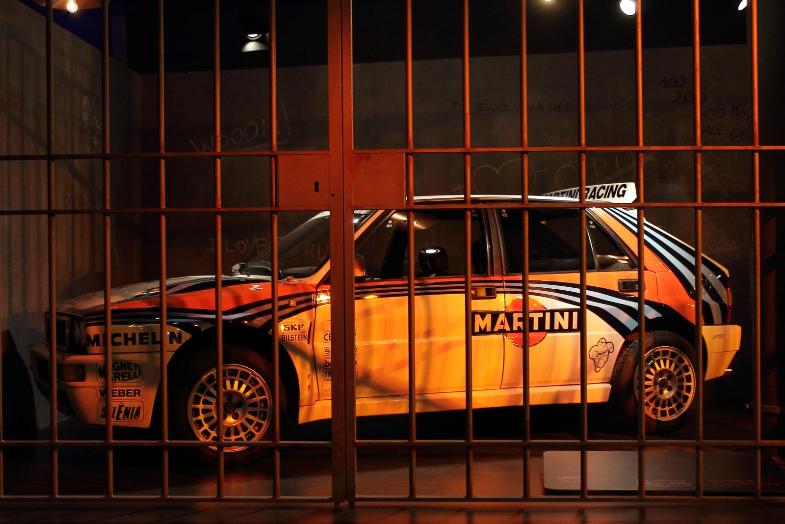 Illuminazione Corsa : Sfondi : notte auto giallo sera torino da corsa martini delta