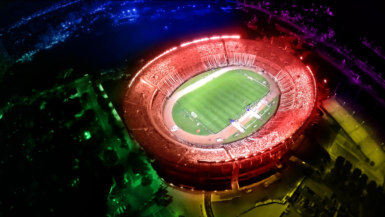 Hintergrundbilder Nacht Rot Betrachtung Grun Fussball