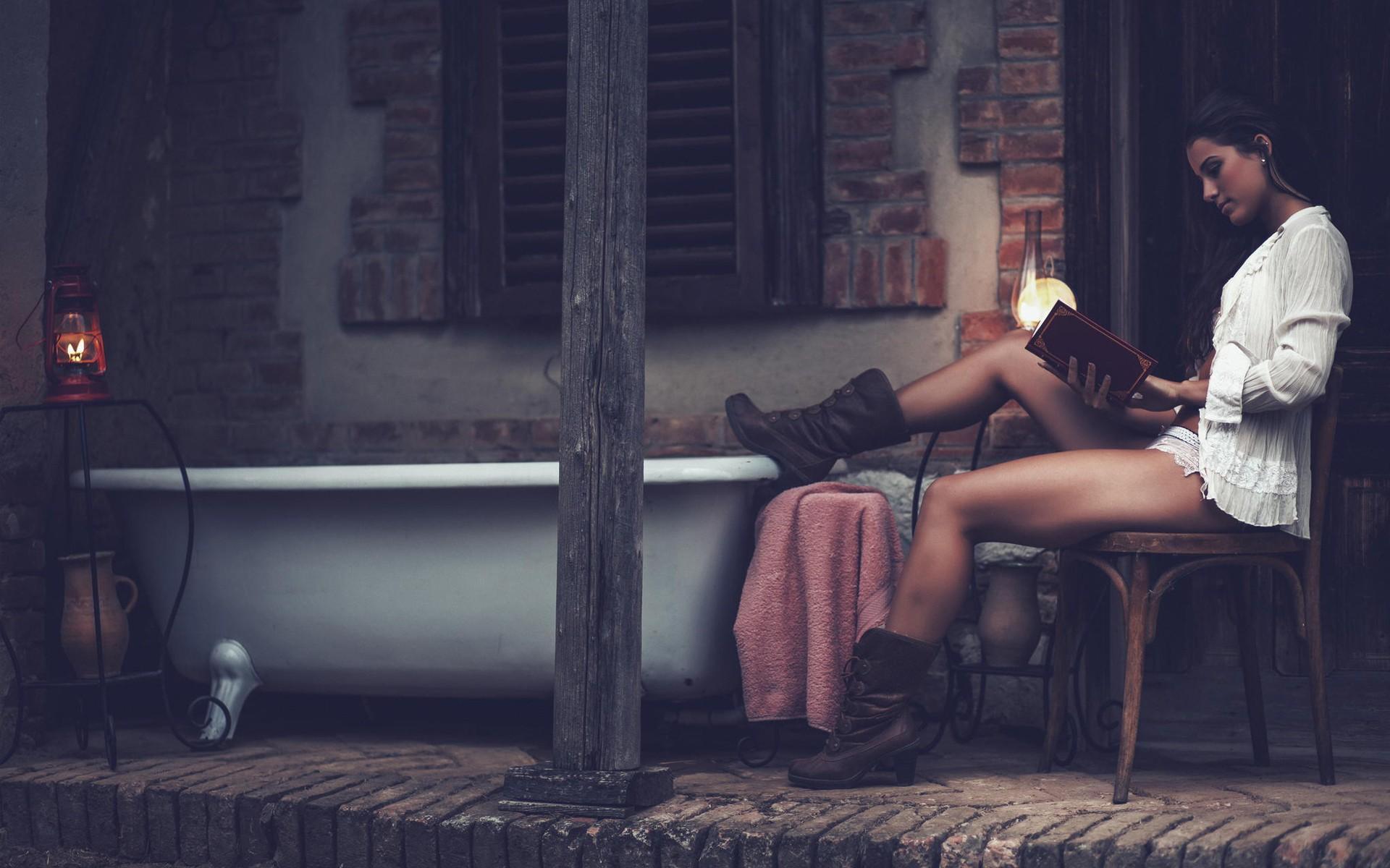 красивый и страстный секс на веранде