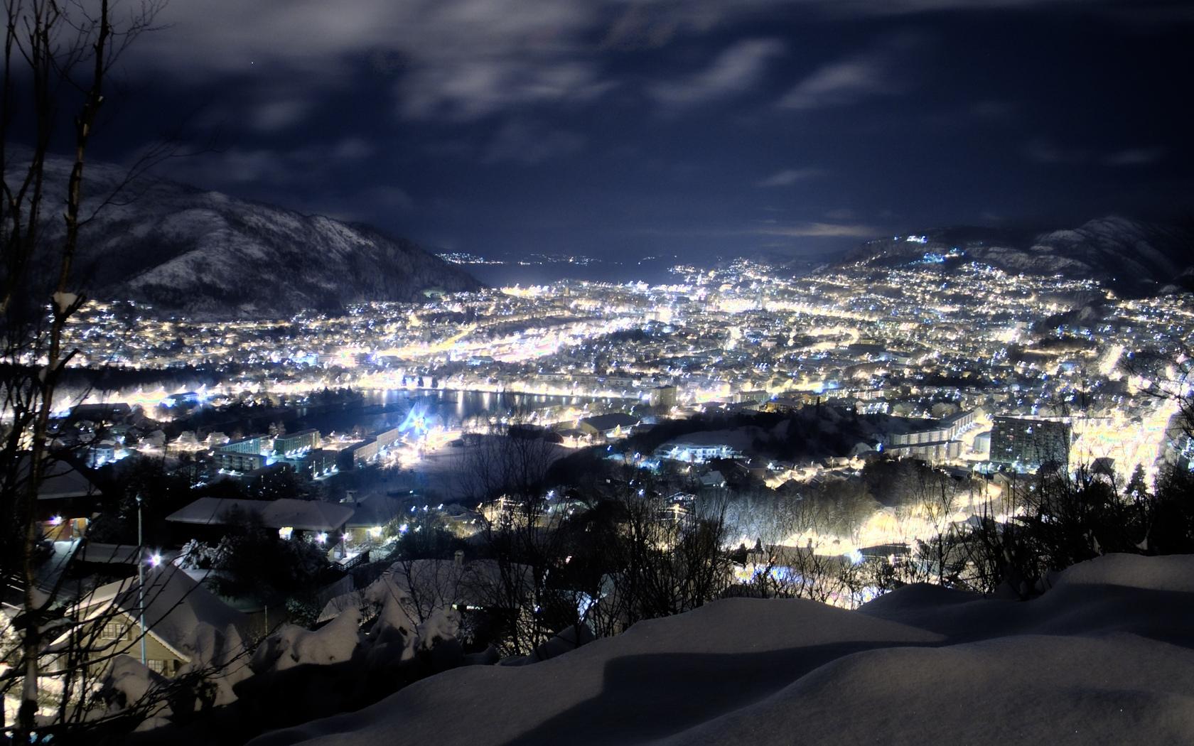 Wallpaper Night Snow Height City Winter 1680x1050