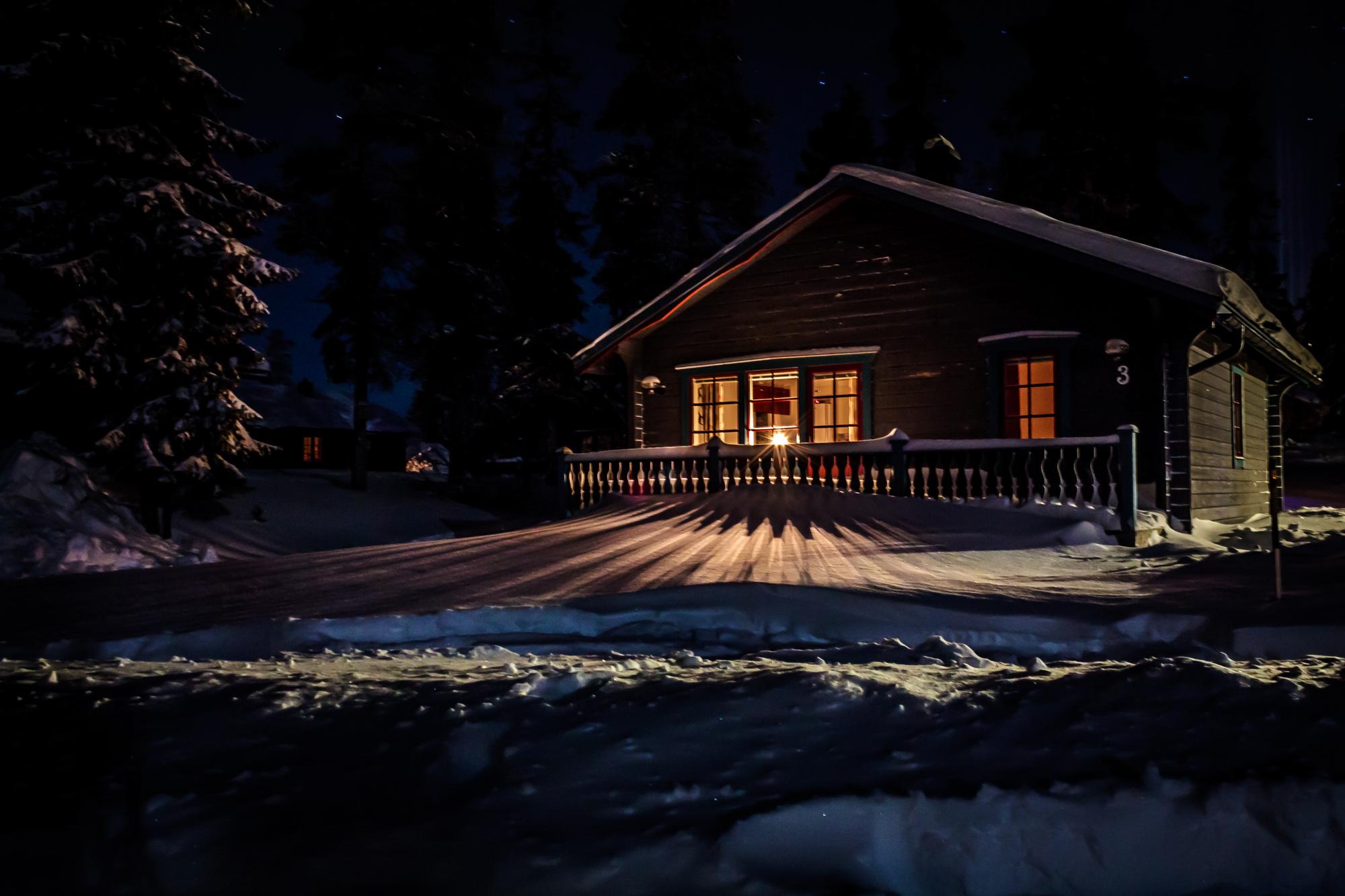 Case Di Montagna A Natale : Sfondi notte la neve inverno casa sera chiaro di luna