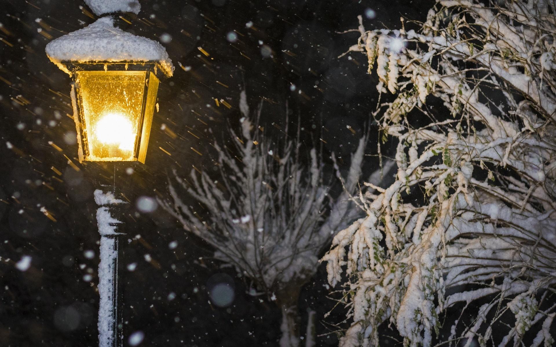снег на фонарях картинки глядя