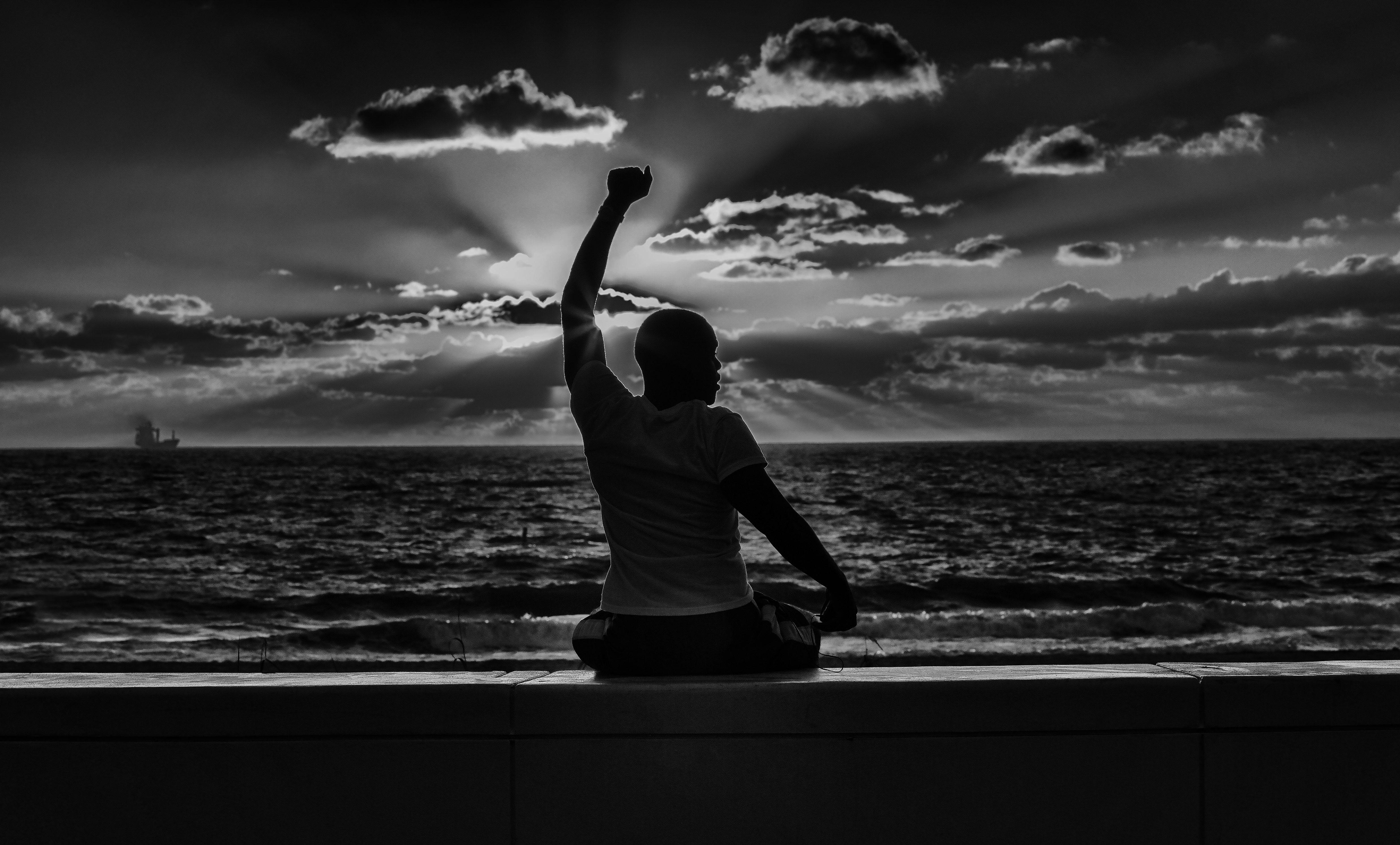 Pace Bianco E Nero sfondi : oceano, mattina, leggero, estate, cielo, bianco e