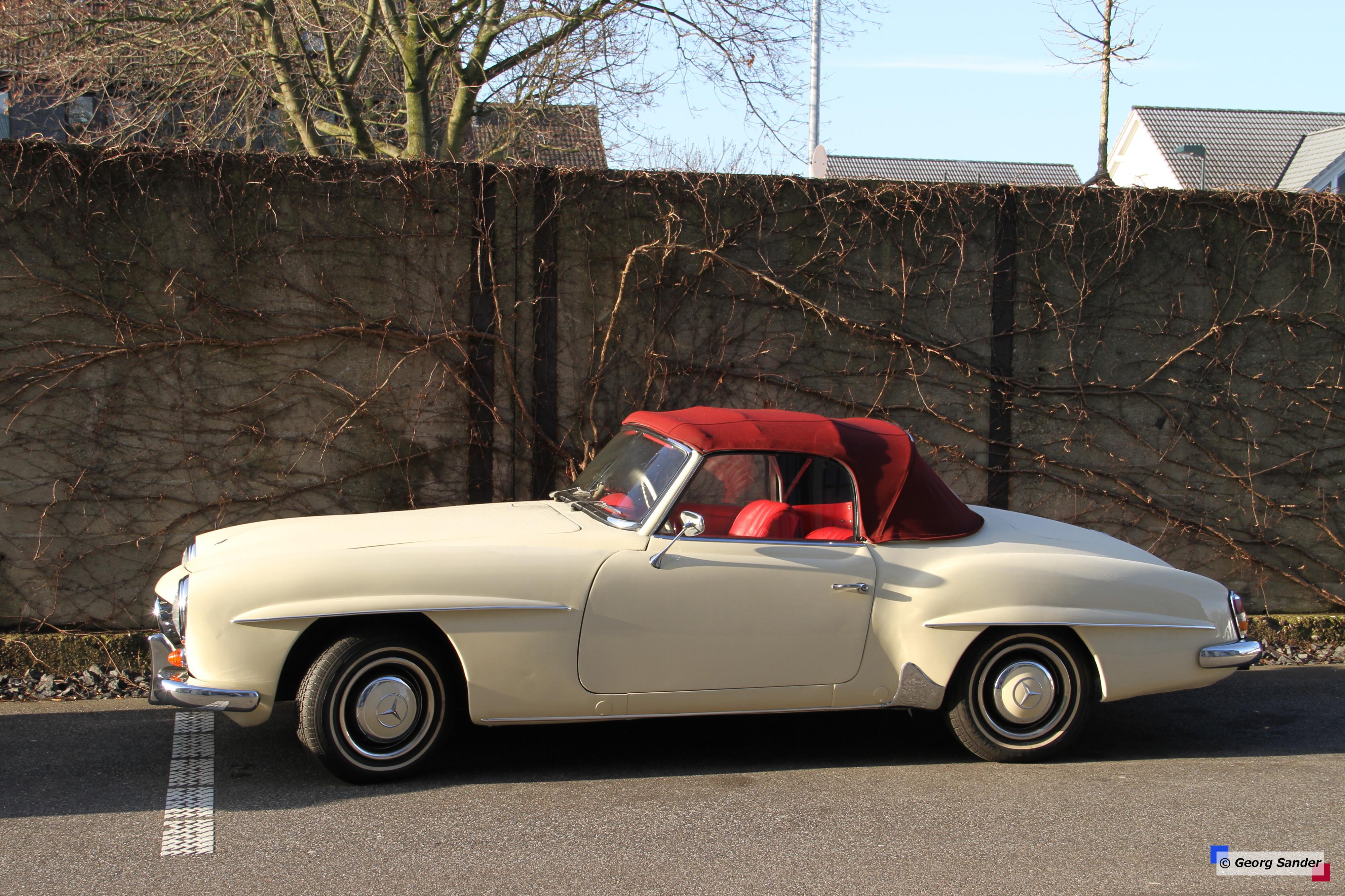 Wallpaper old mercedes benz sports car cabrio for Classic mercedes benz convertible