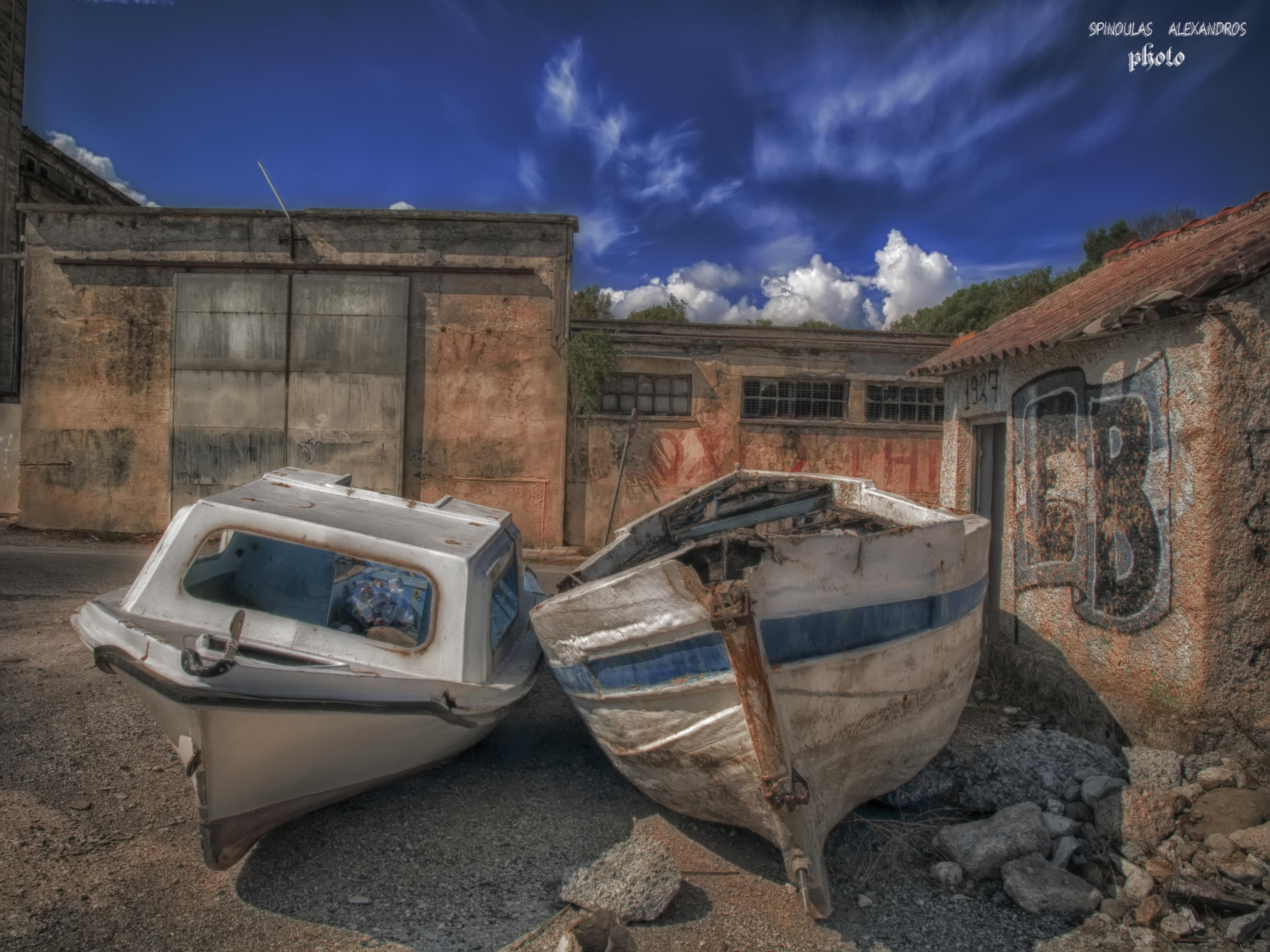 Hintergrundbilder : alt, Himmel, verlassen, Gebäude, Boot, Farben ...