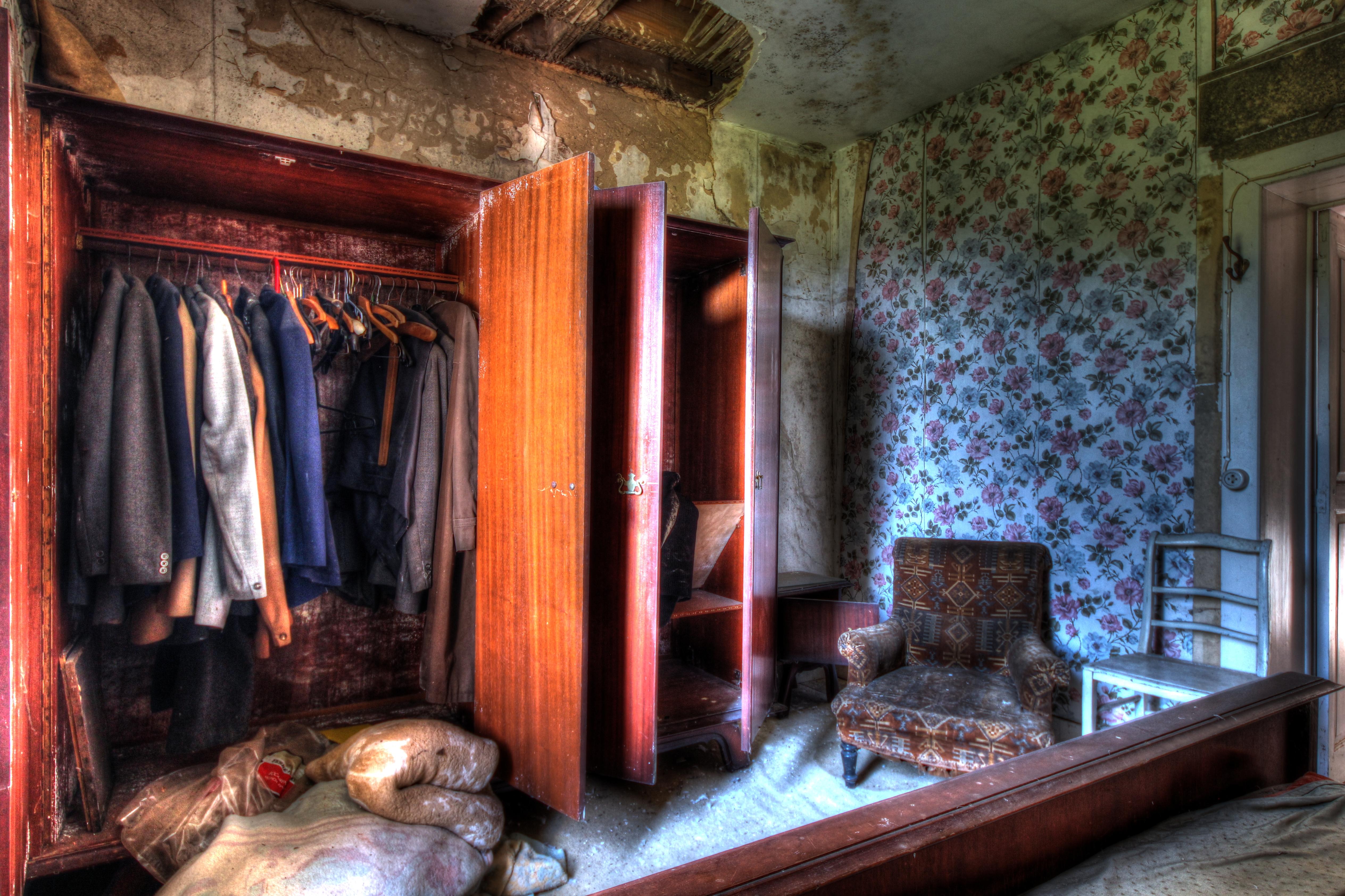 Hintergrundbilder : alt, Fenster, städtisch, Zimmer, verlassen, Holz ...