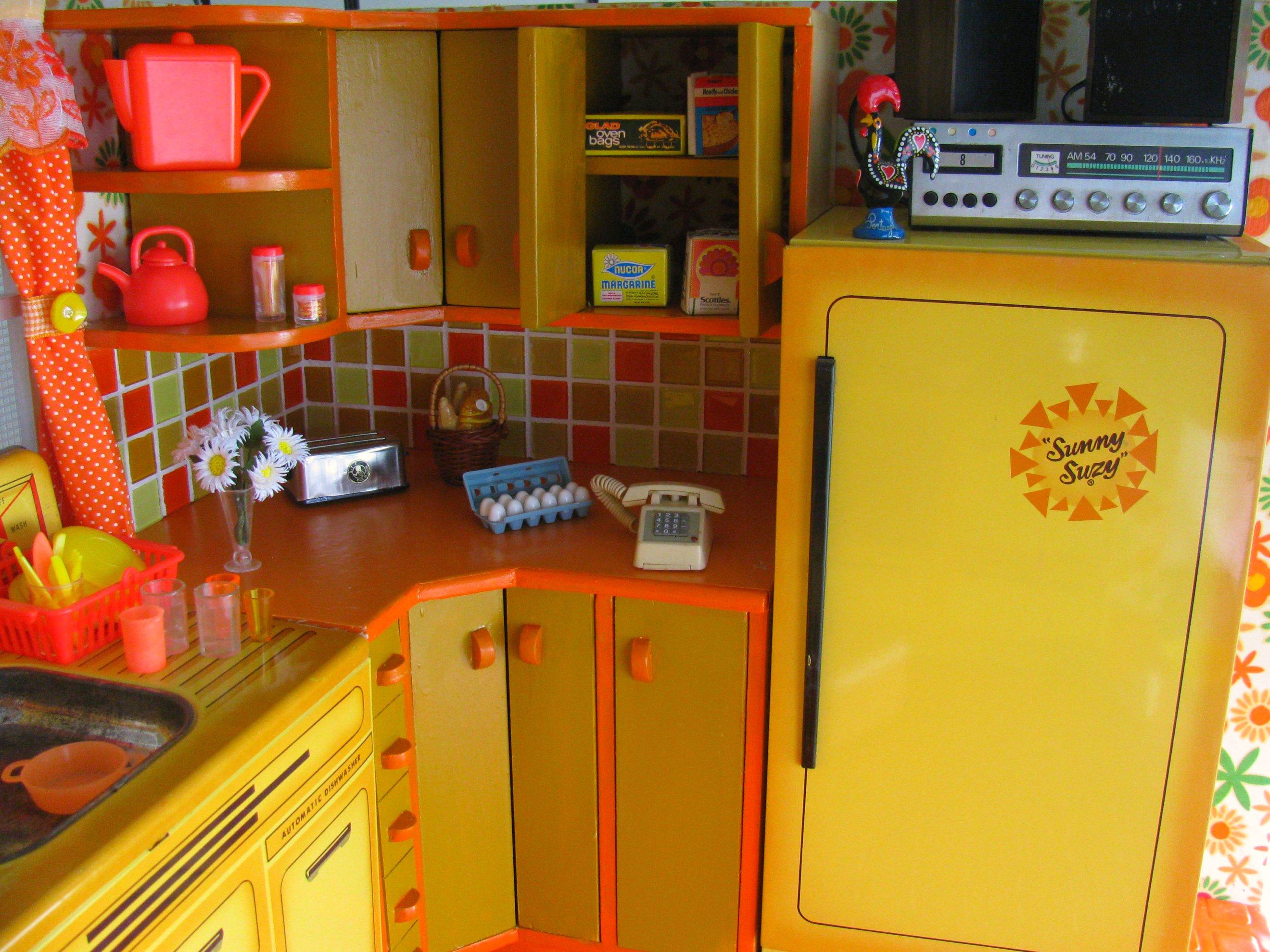 Retro Kühlschrank Orange : Hintergrundbilder orange gelb miniatur puppe telefon