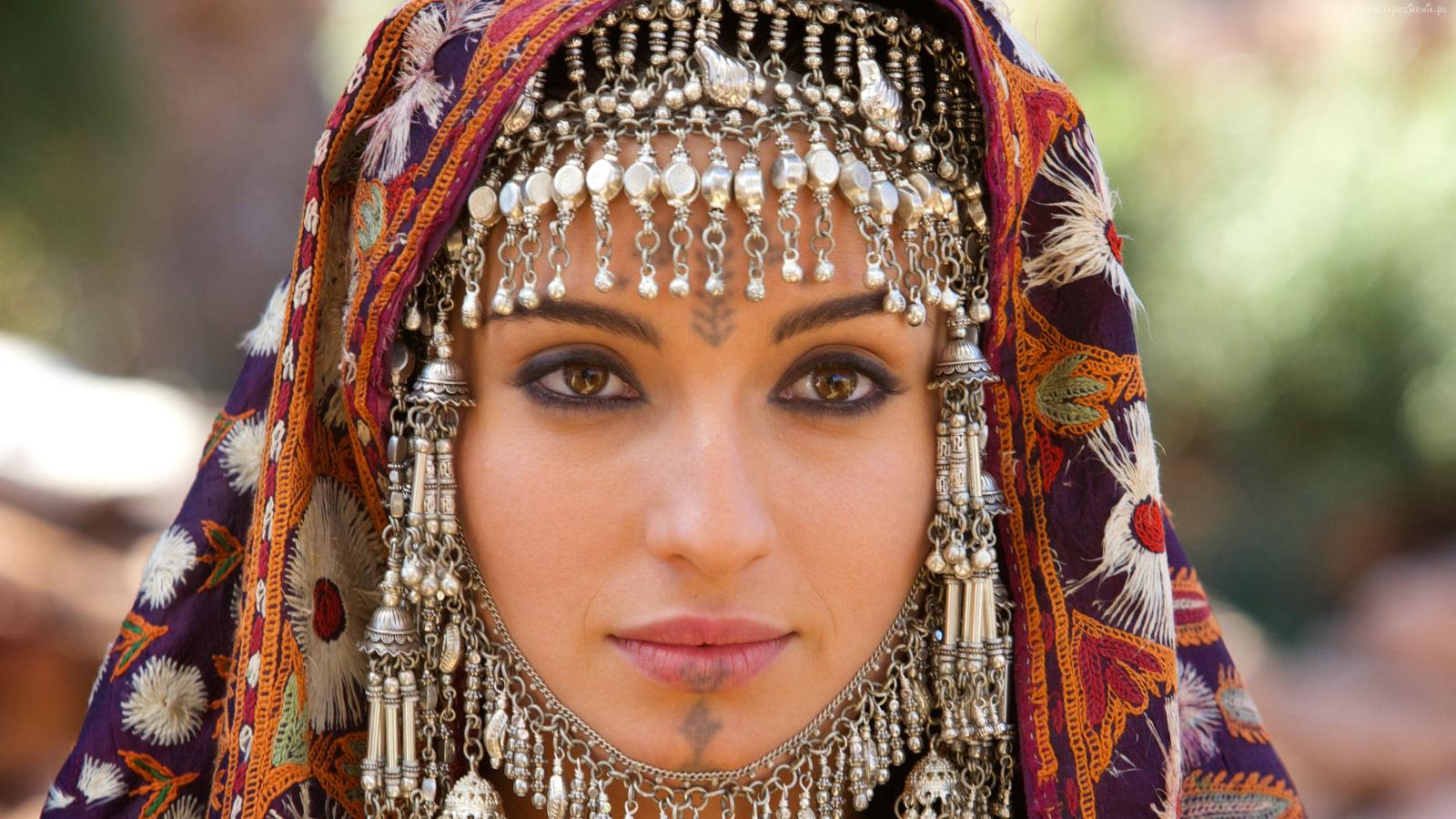 Oriental women pics