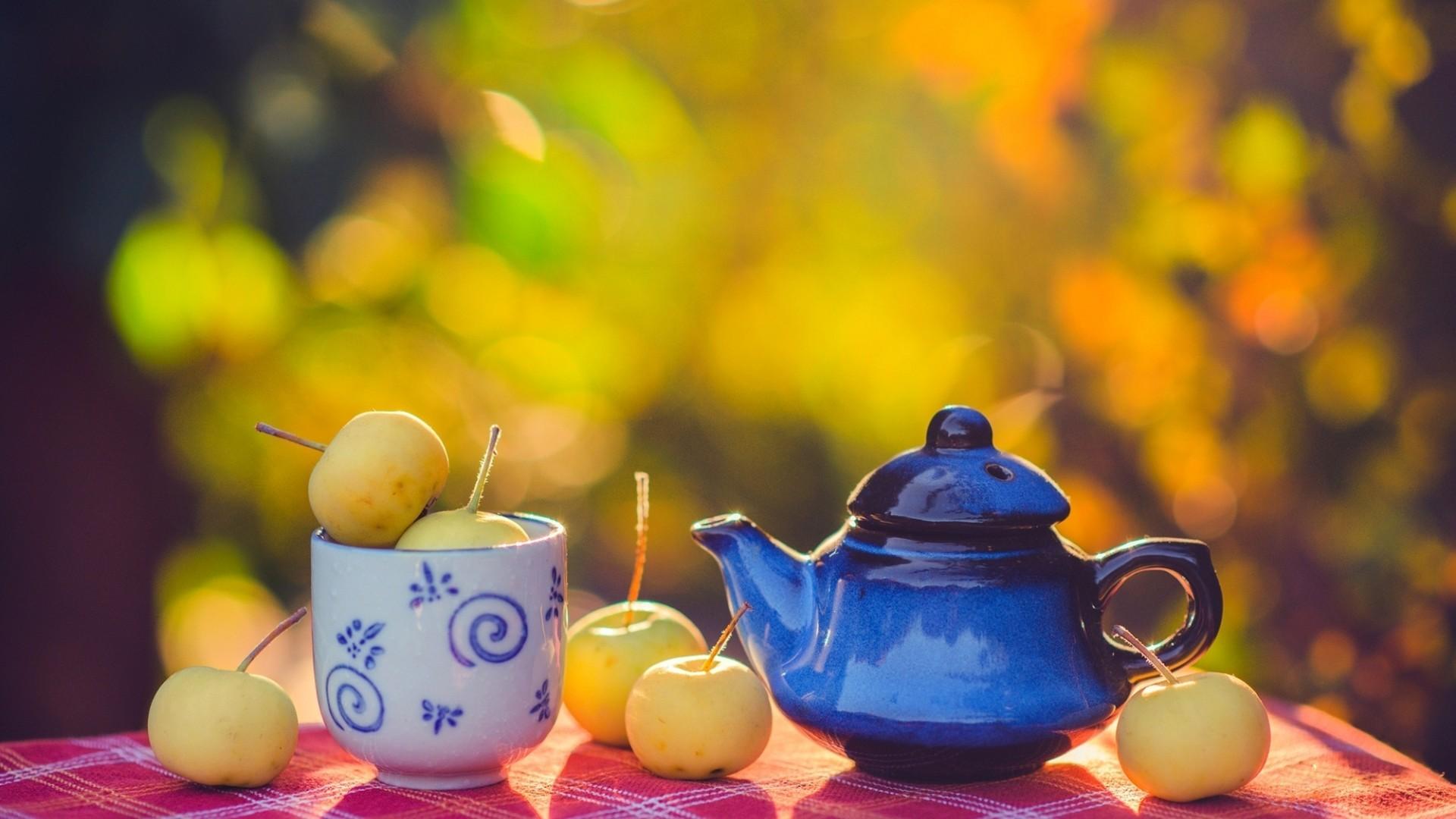 Яркая картинка чаепитие