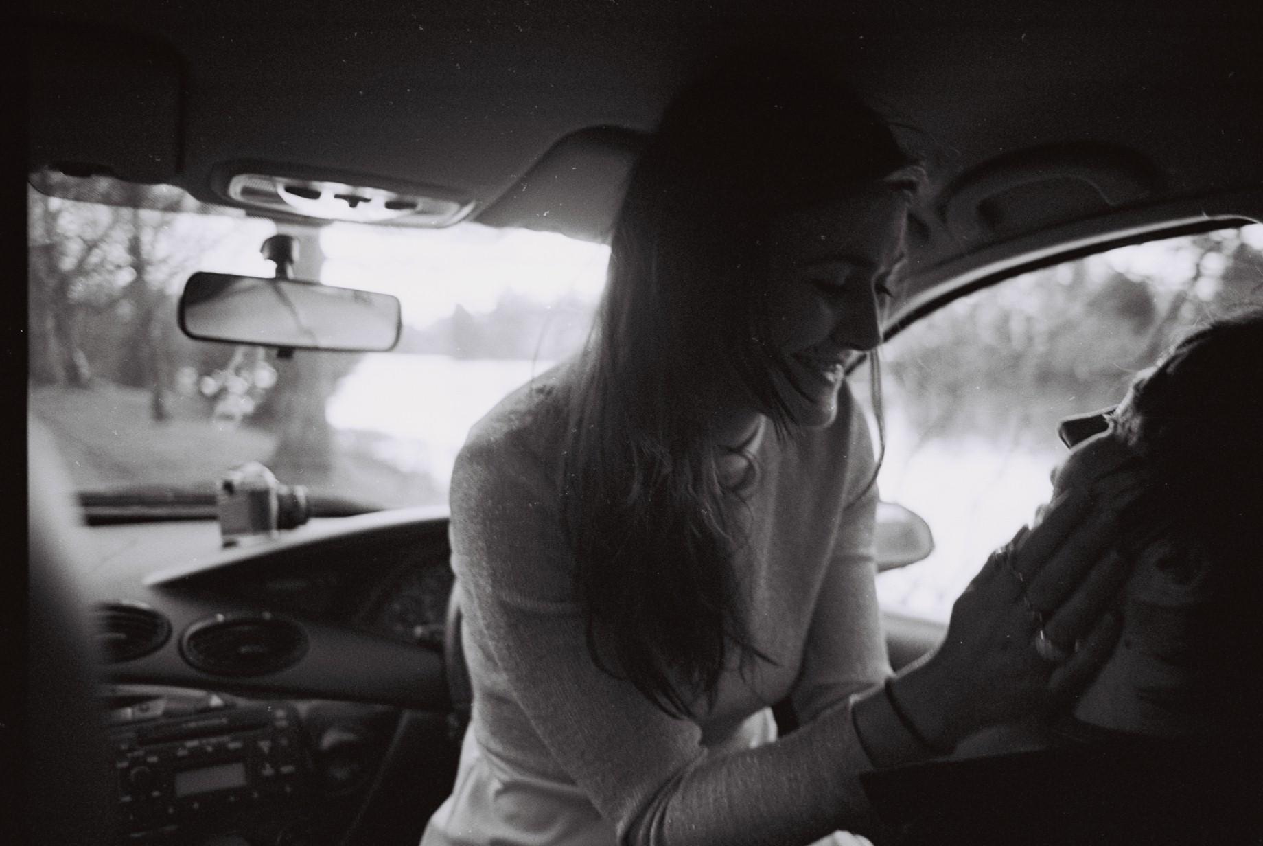 paar beim sex in autos