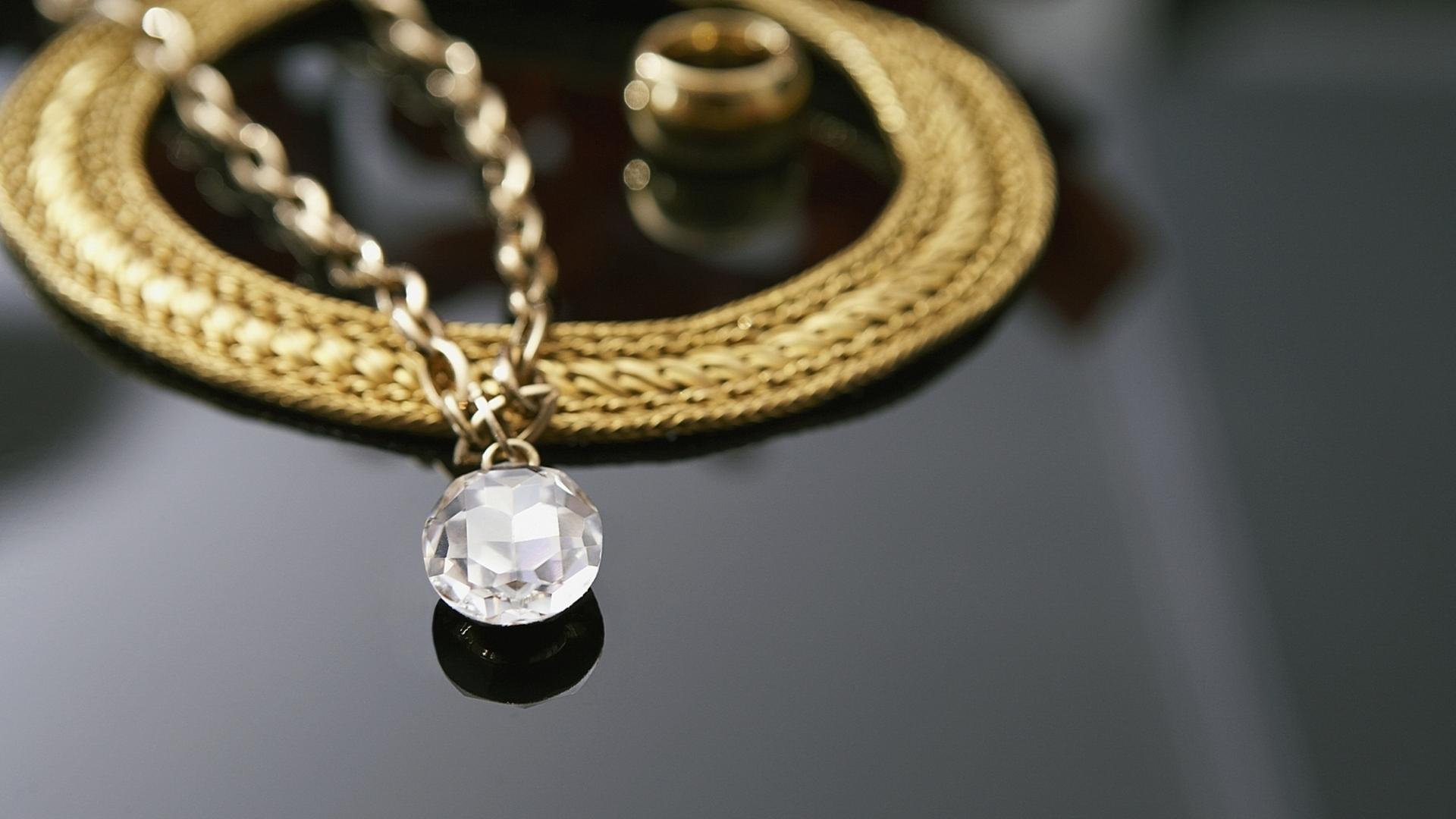 Фото хорошего качества ювелирные украшения