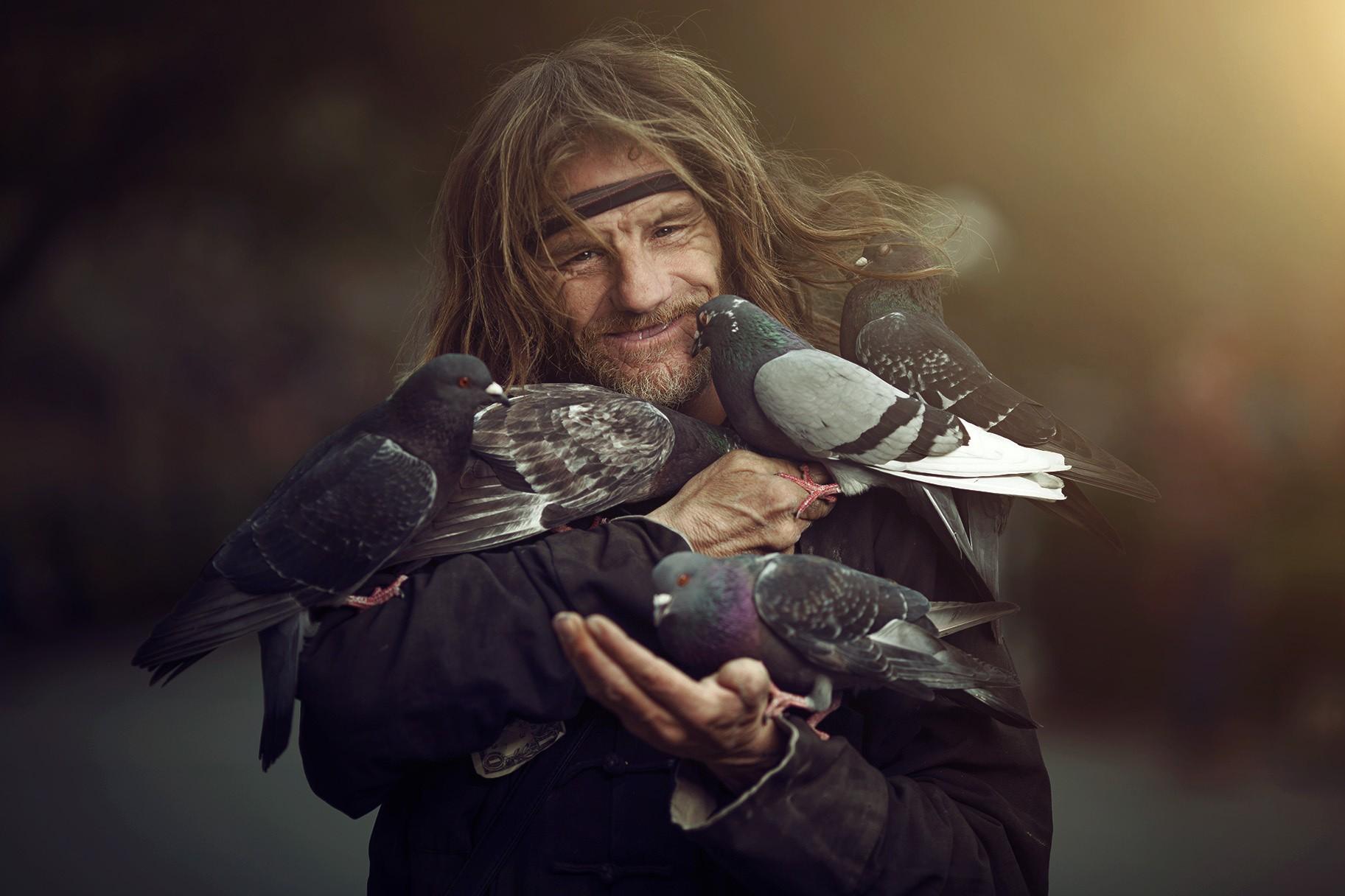 фото птицы и человек картинки праздничного гуляния