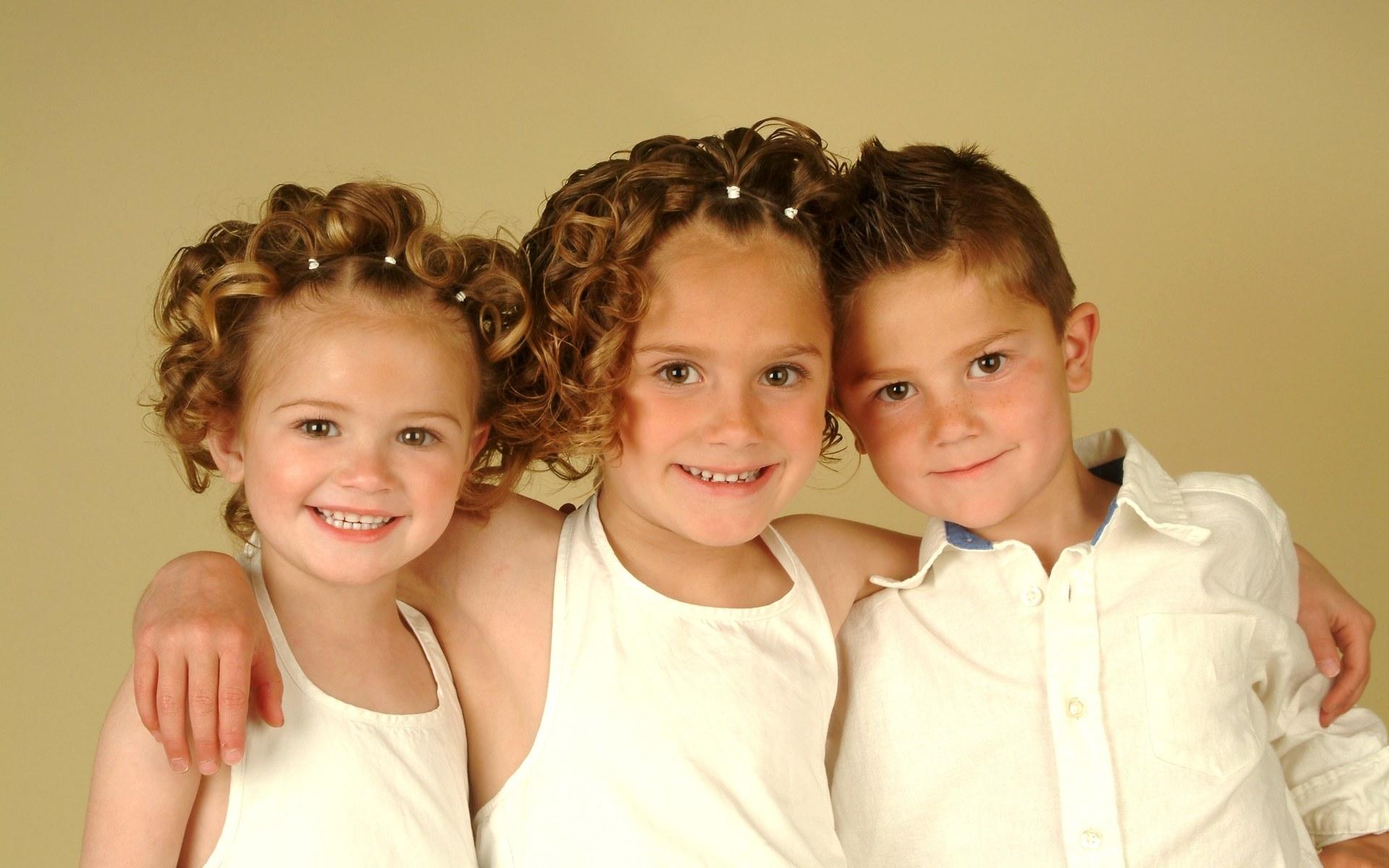 Фото с двумя детьми мальчик и девочка