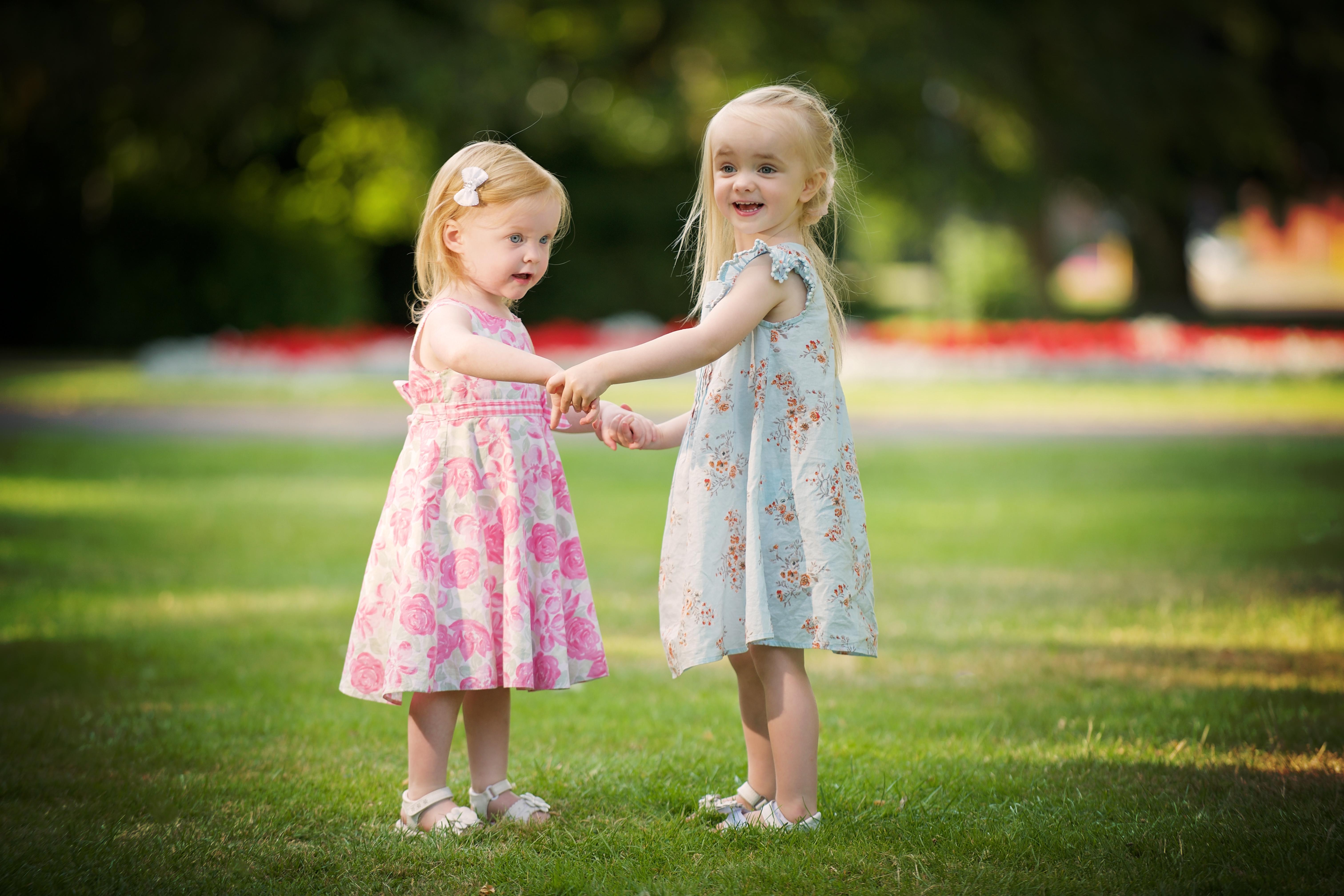 Hintergrundbilder : Menschen, Blumen, Kinder, Gras, Fotografie ...