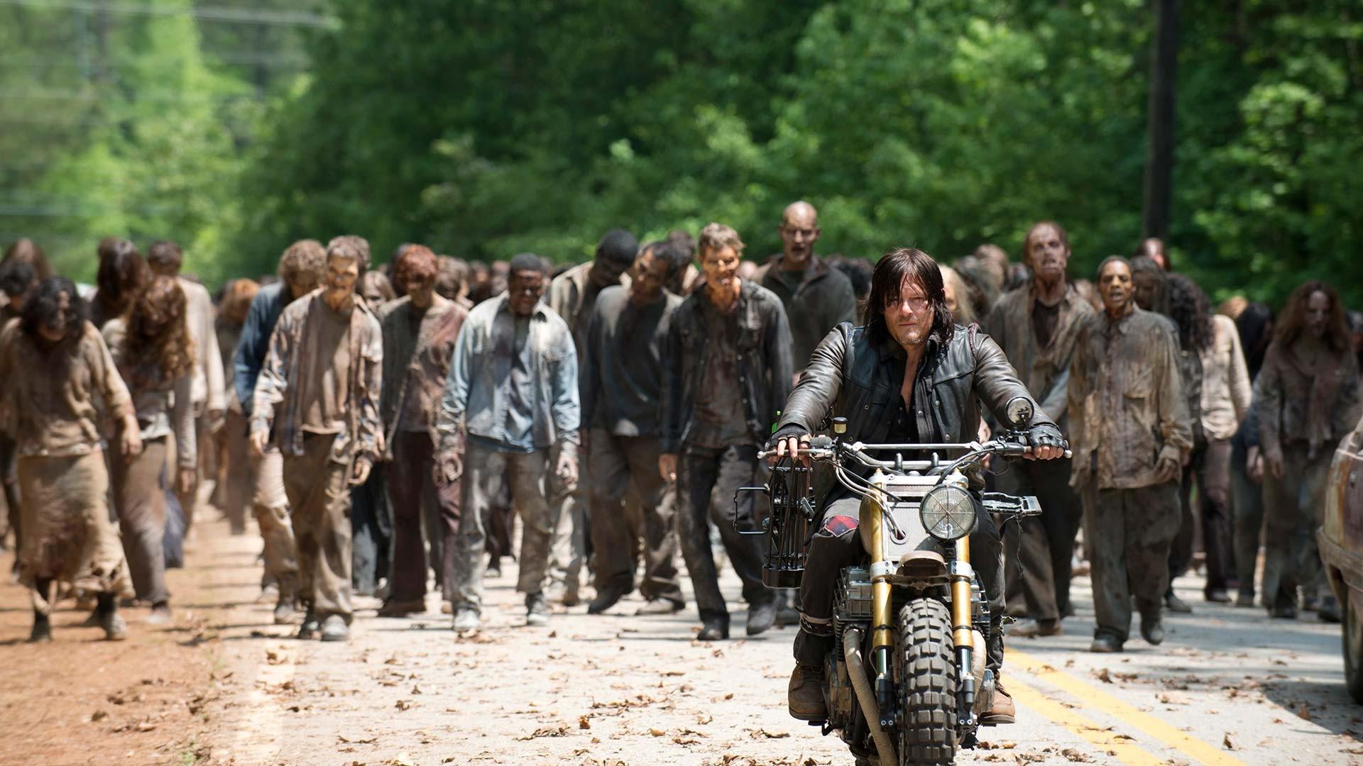 People Mud The Walking Dead Daryl Dixon Troop