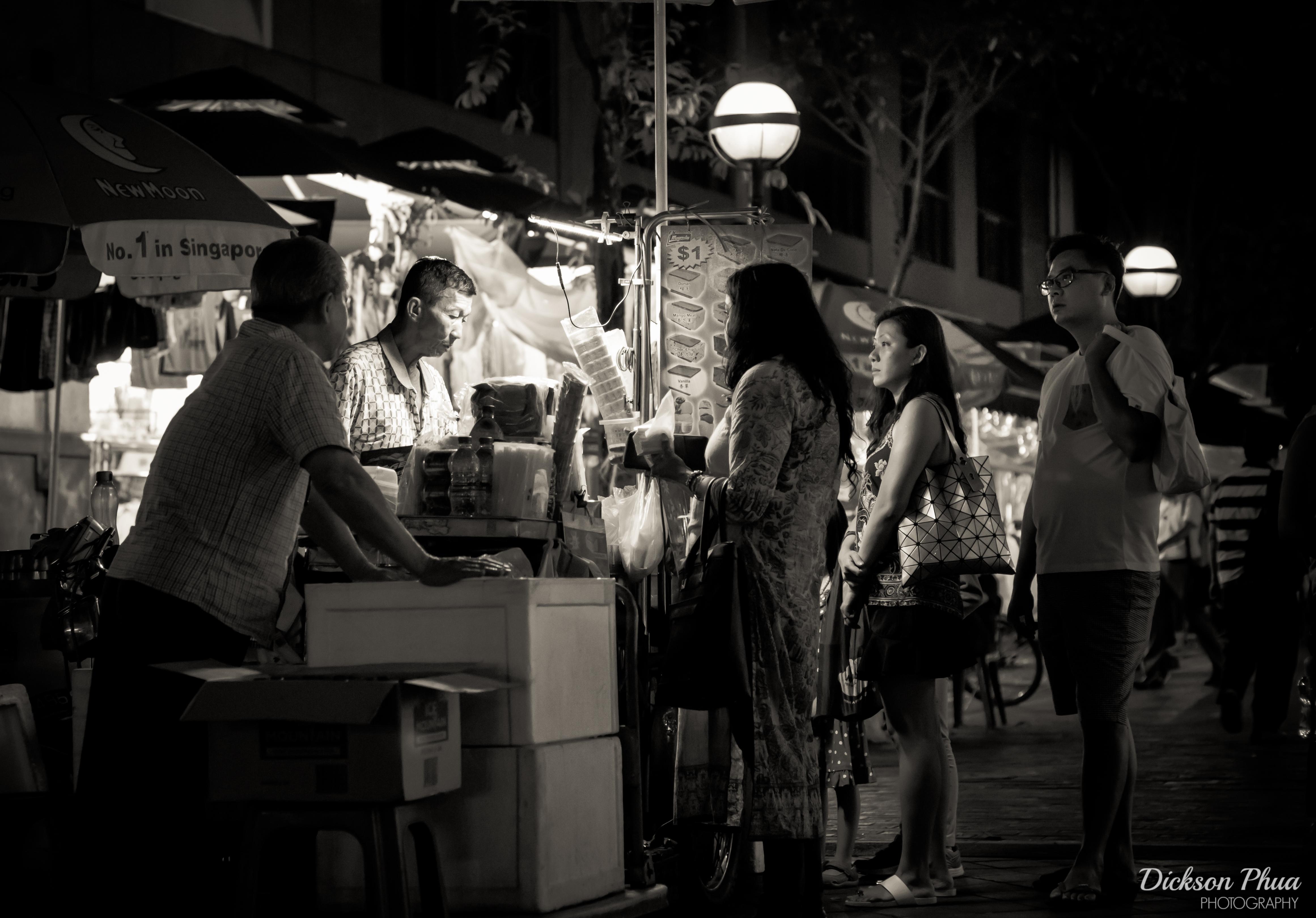 Wallpaper people eyes street night singapore asia asian field road music ice musician sepia stop bokeh cream b waiting entertainment
