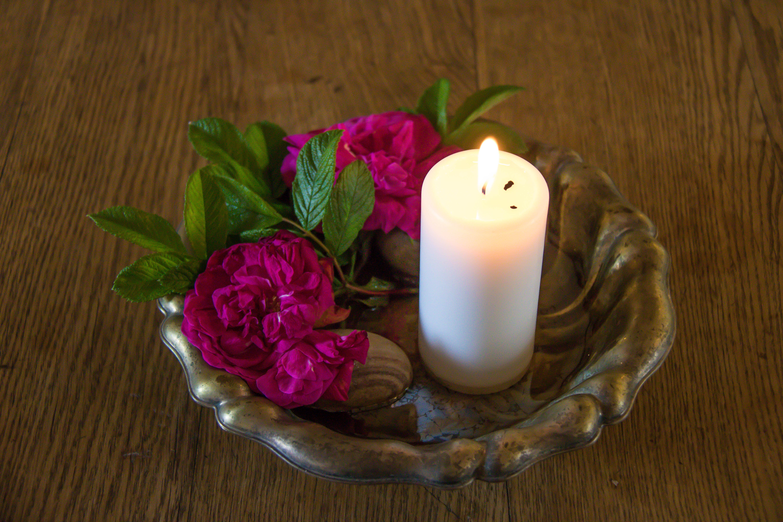 свечи с розами фото периметр озеленен