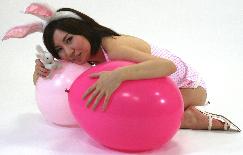 Конкурс надувание шариков насосом